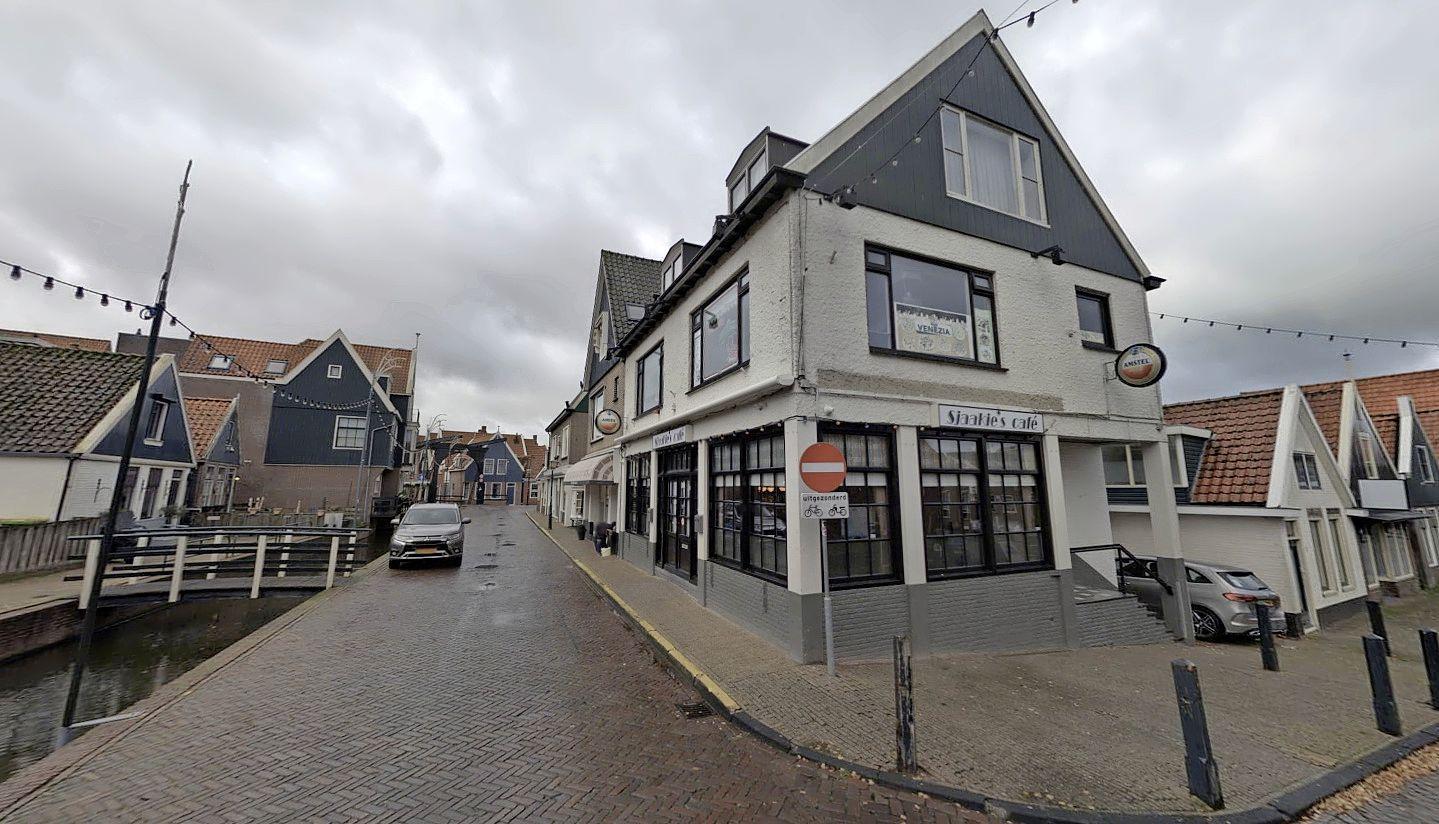 Eis: twee jaar cel voor brute overval op Sjaakie's Café in Volendam