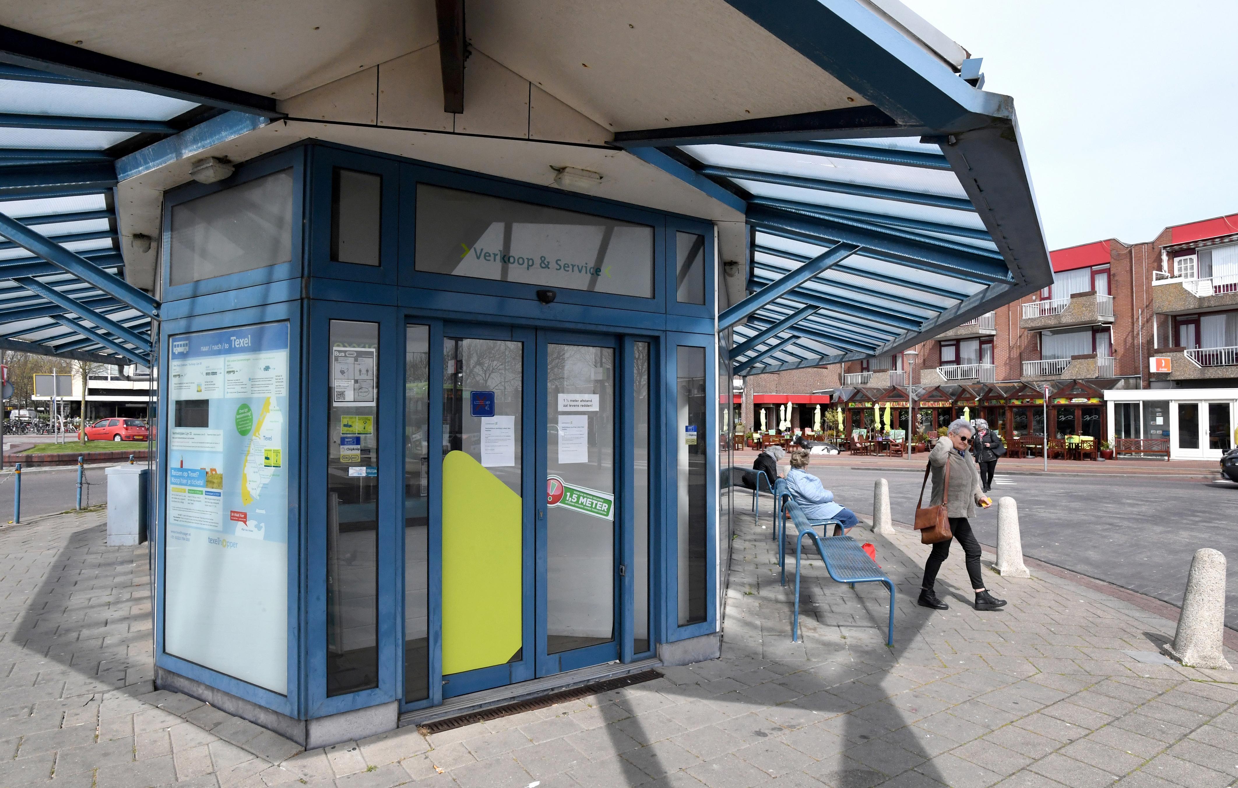 Busvervoerder Connexxion heft te duur servicepunt op bij station Den Helder na ruim 25 jaar op. 'Ga maar naar restaurant Wienerhof'