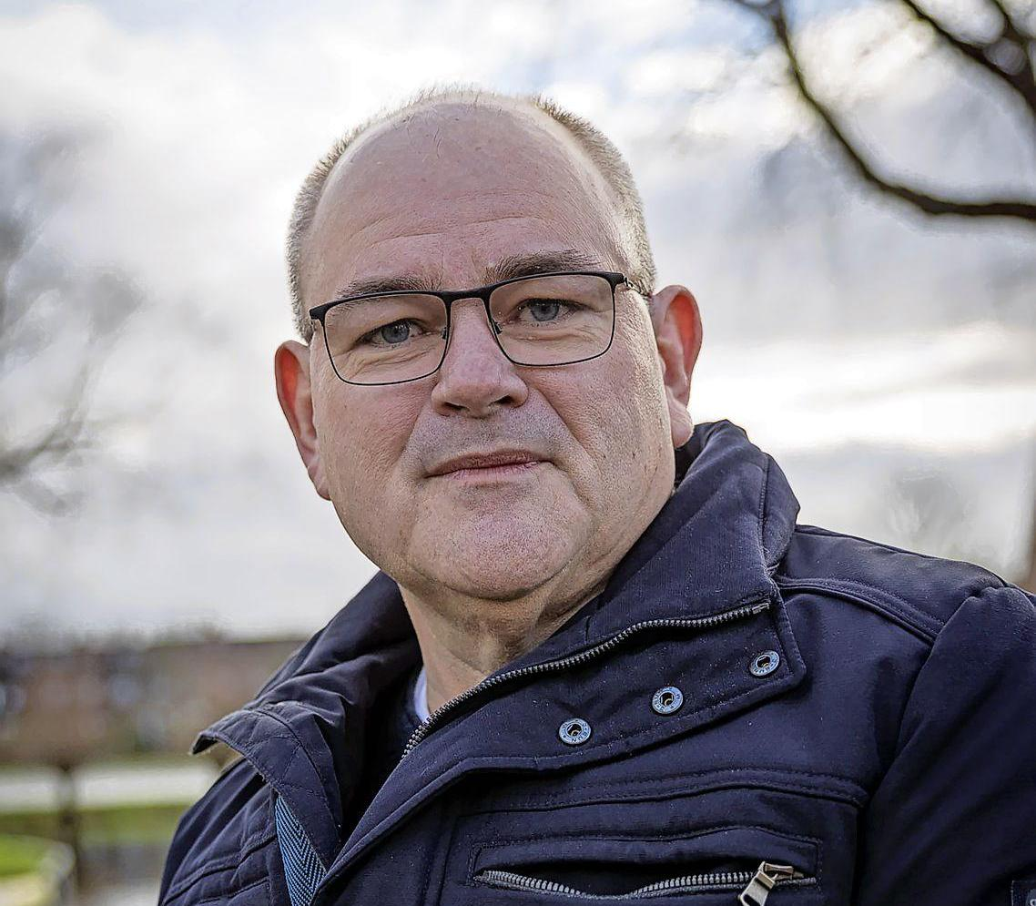 Enkhuizer raadslid Jan van der Werf krabbelt na vele maanden op van coronavirus; 'Je bent een kasplantje'