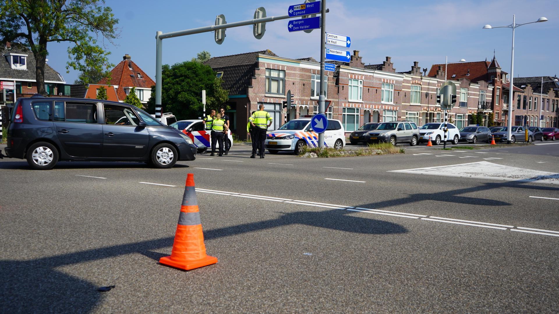 Motorrijdster gewond bij aanrijding in Alkmaar, rijbewijs automobilist ingenomen