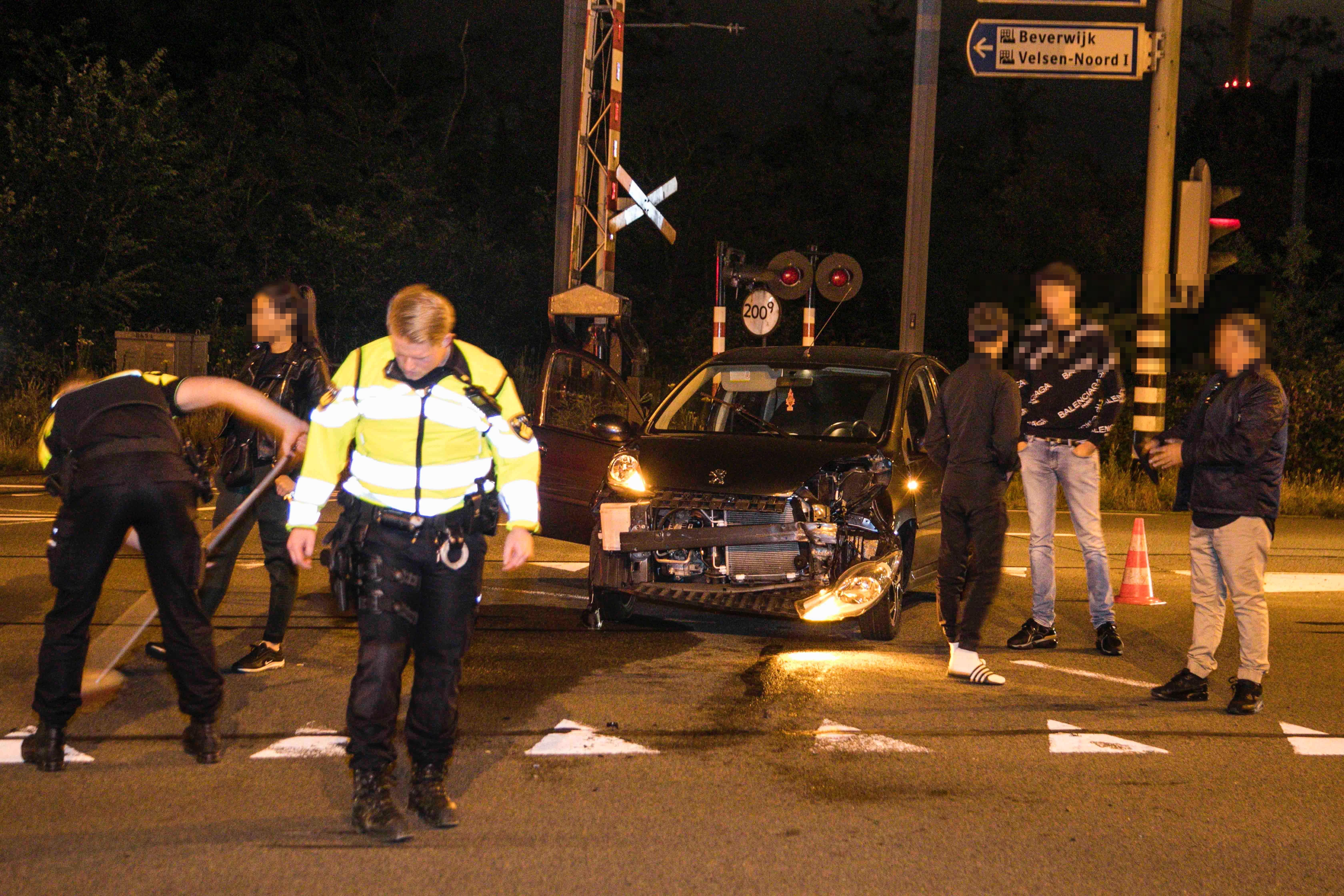 Veel schade bij botsing in Velsen-Noord