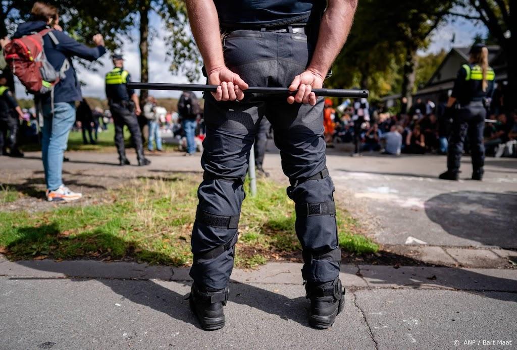 Celstraffen voor demonstrerende relschoppers