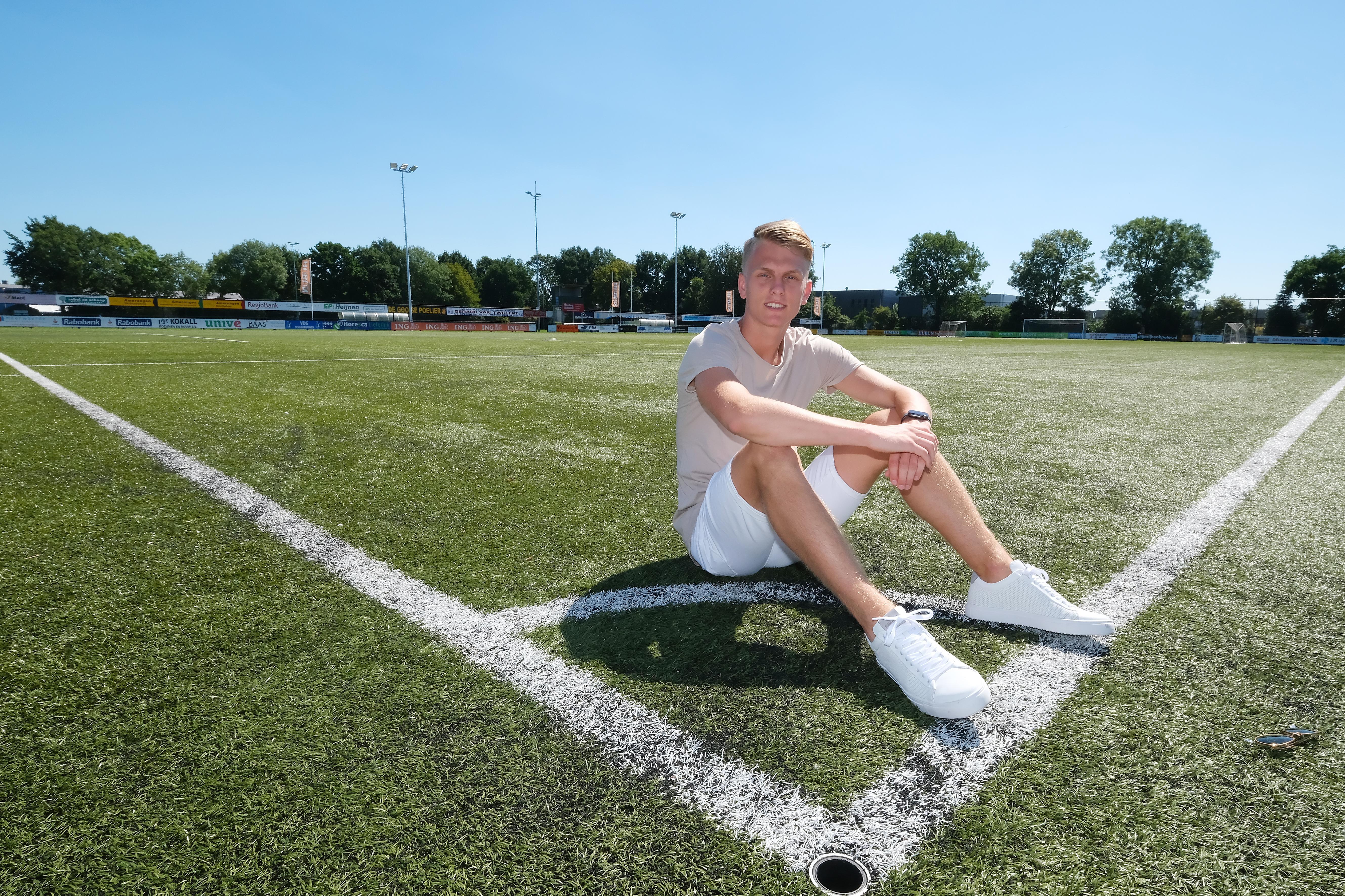 Zeventienjarige 'tikkeltje eigenwijze' Jan van Diermen laat zich door Spakenburg voor één seizoen verhuren aan Eemdijk: 'Ik heb voor mezelf gekozen'