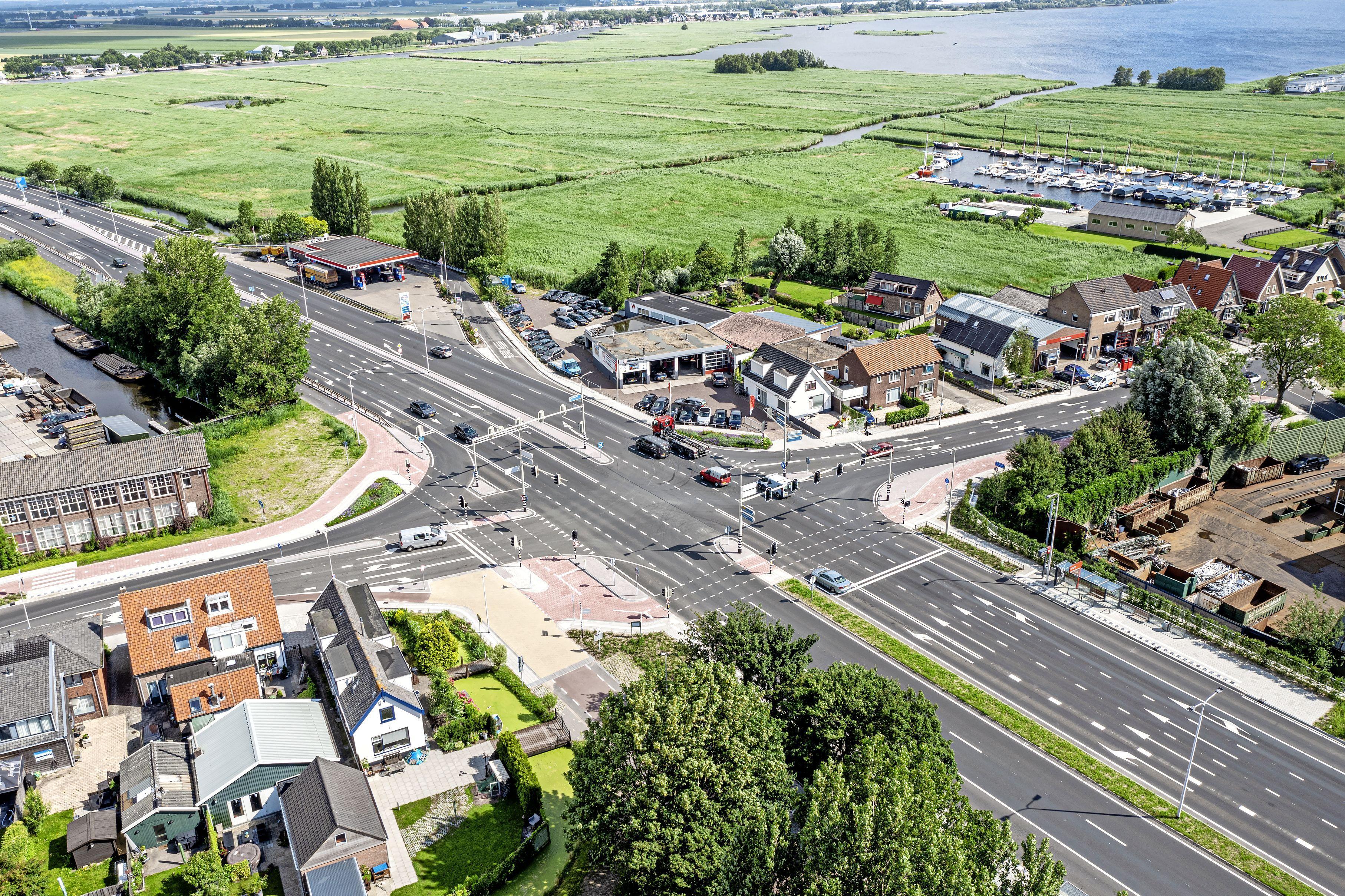 Provincie wil met een flitspaal snelheidsduivels op de kruising van de N207 bij Leimuiden te lijf gaan