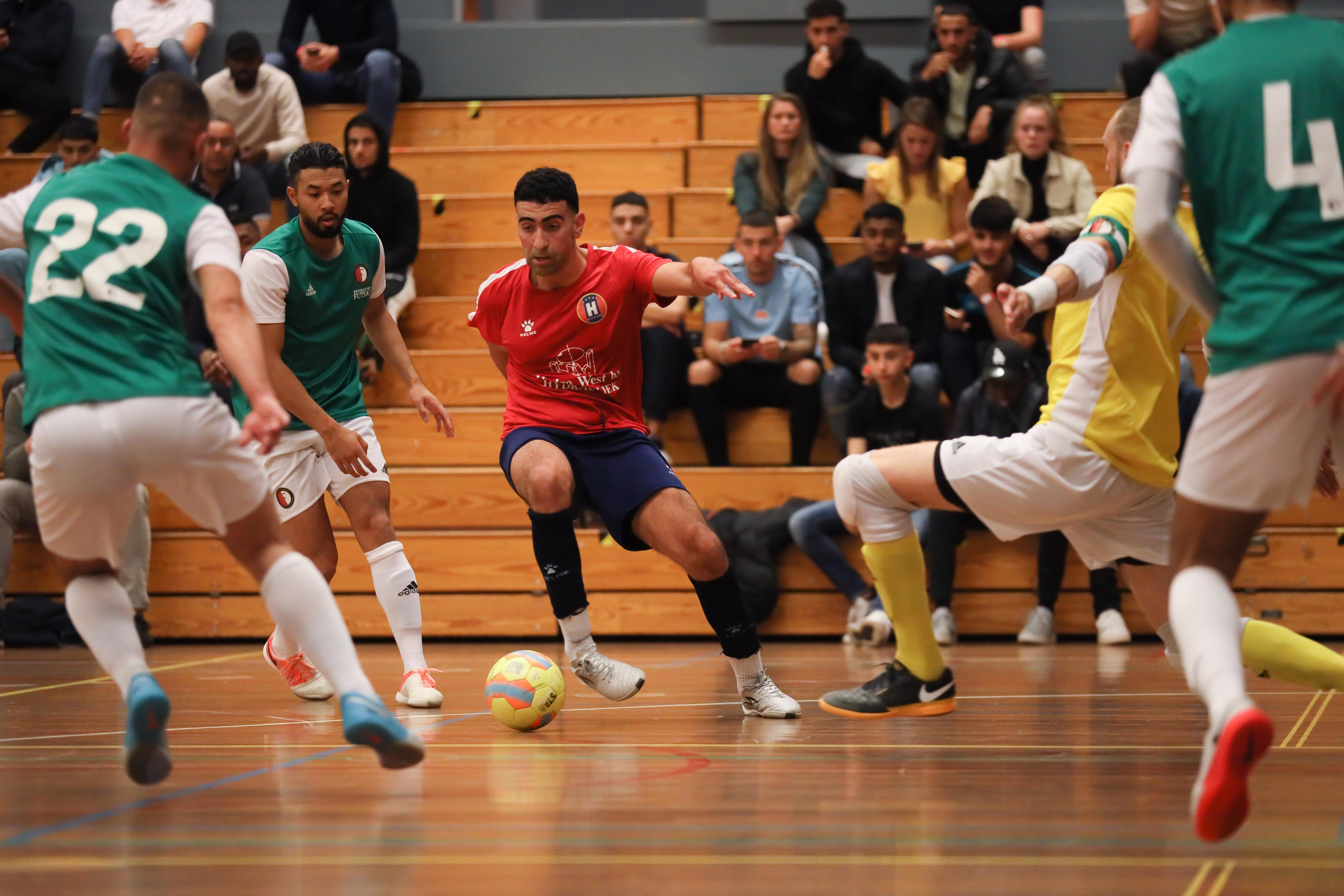 West-Friese amateurclubs tonen begrip voor nieuwe maatregelen, maar zorgen zijn er ook: 'Spelen wij straks wél Europees voetbal, maar in eigen land geen competitie?'