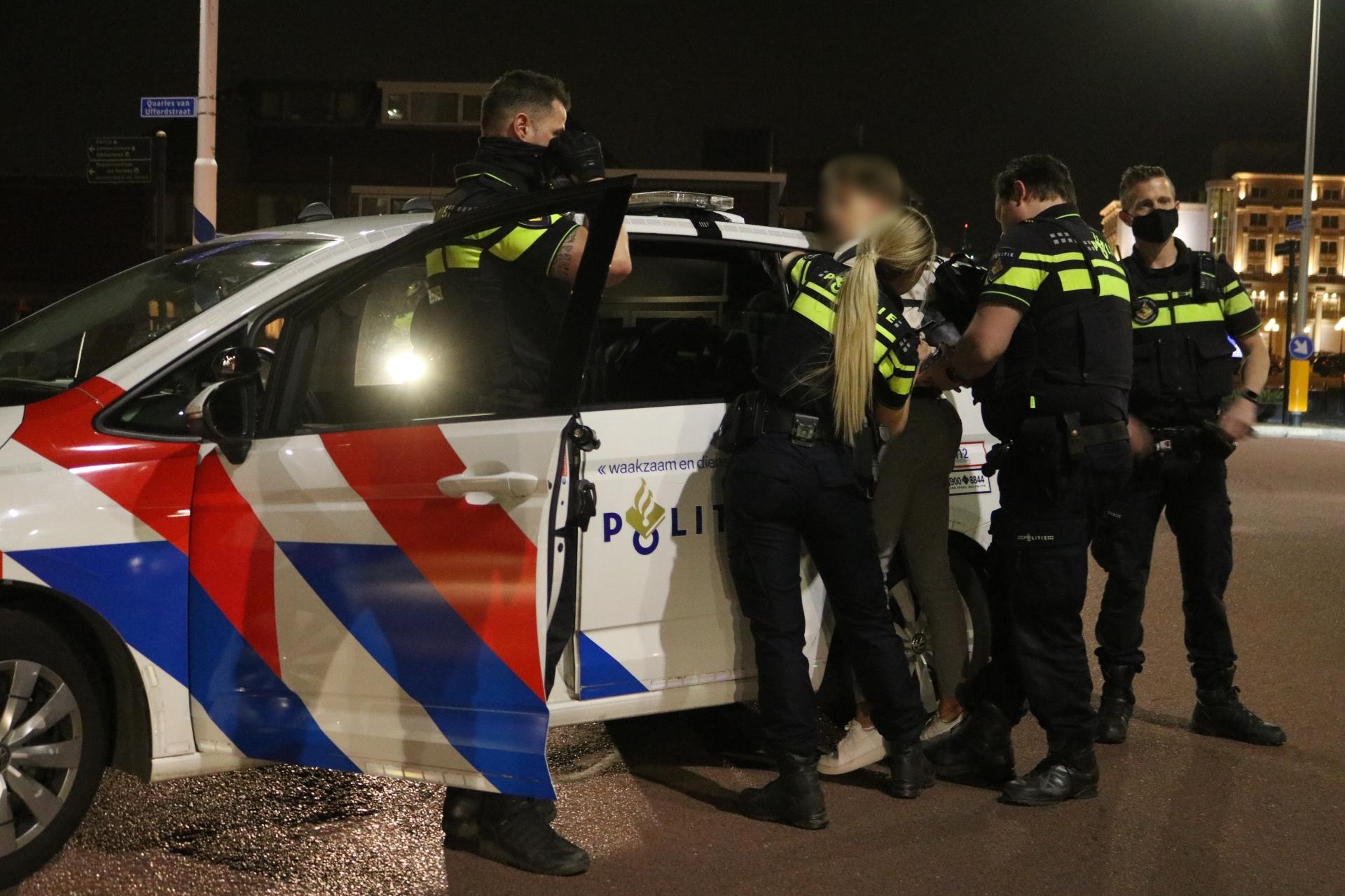 Feest op strand Noordwijk was onacceptabel gedrag, zegt burgemeester Wendy Verkleij