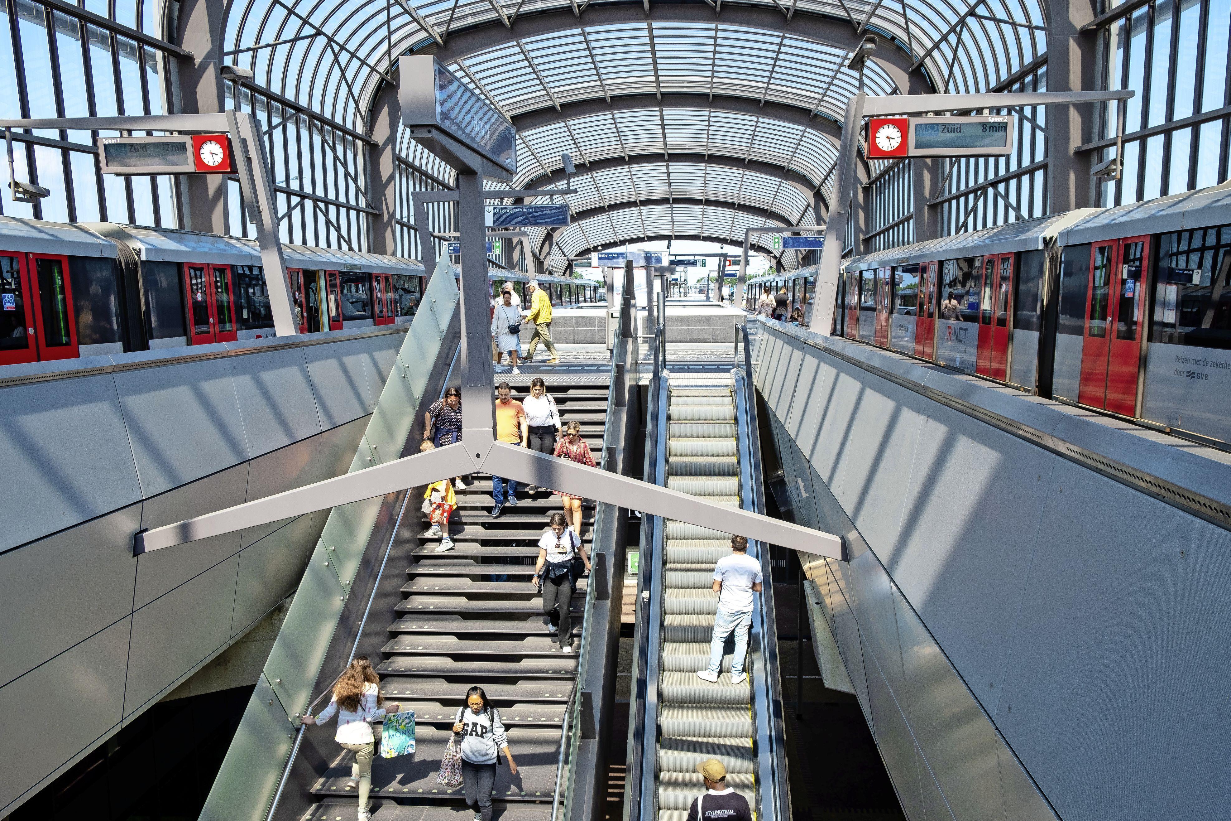 FlexcoRail lanceert idee voor nieuwe Noord-Hollandse sneltram. Gemeenten bouwden genoeg, maar ze vergaten het openbaar vervoer