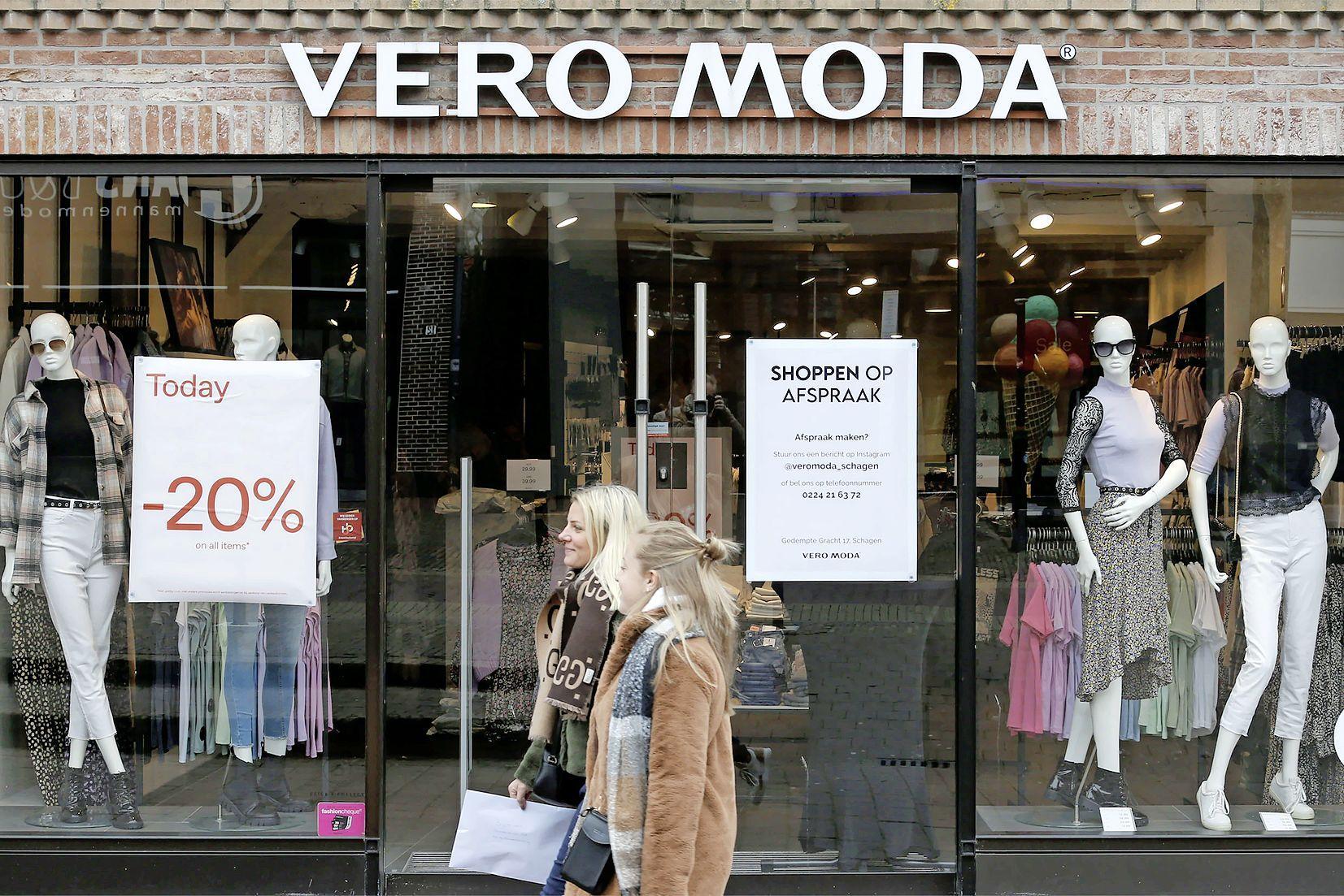 Snel shoppen zonder afspraak, het gebeurt overal. Krijgen winkeliers daadwerkelijk een dikke boete als ze coronaregels overtreden?