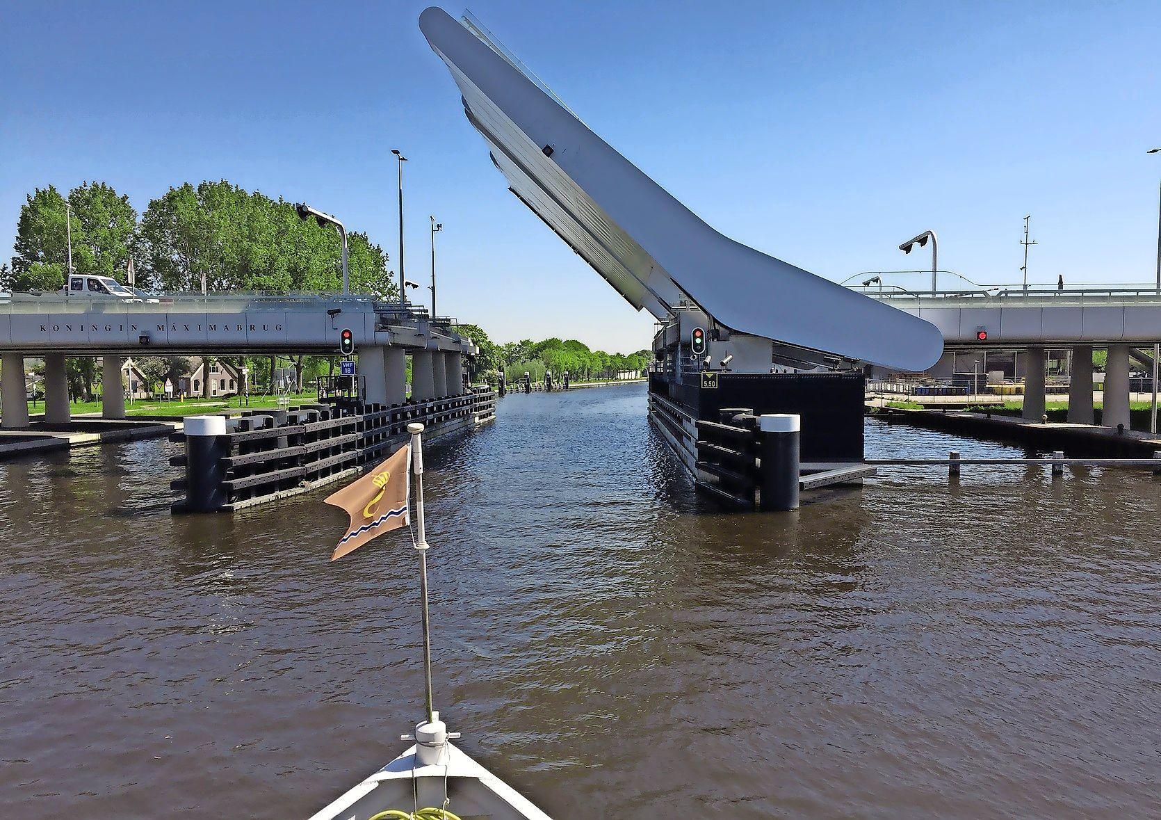 Onderzoek naar mogelijke bodemverontreiniging rondom Máximabrug Alphen aan den Rijn