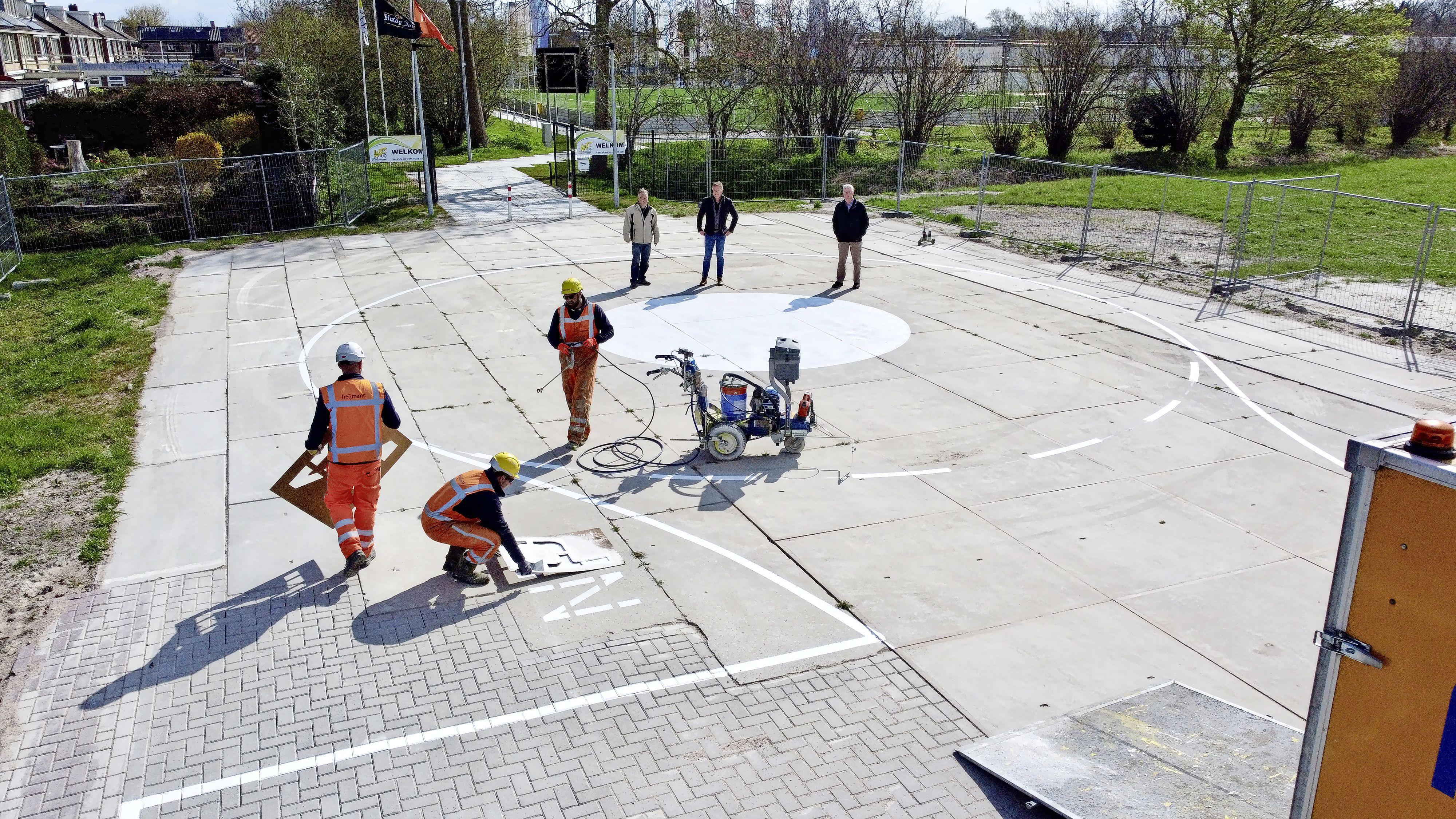 Eindelijk heeft Westfriezen zijn parkeerterrein, na acht maanden vertraging. Mét Kiss and Ride cirkel