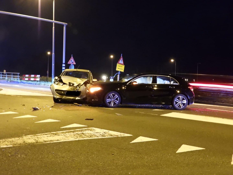 Gewonde bij botsing tussen twee auto's in Monnickendam
