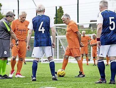 Tweedaags walking football bij Overbos in Hoofddorp
