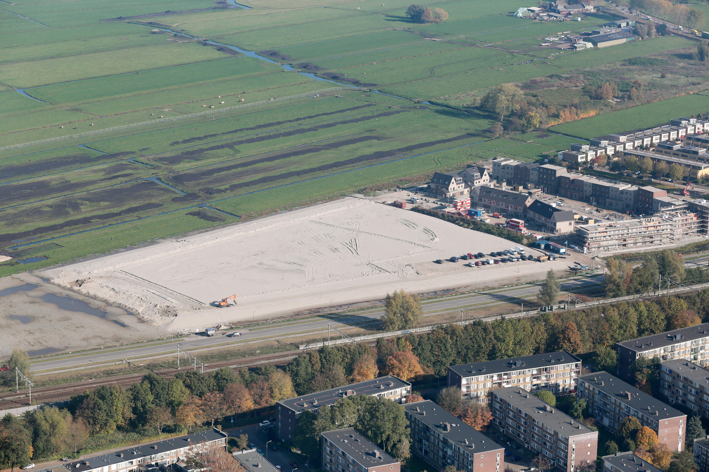 Haags ministerie hakt knoop door: Geen extra spoorrails bij Weesp, maar er komen eindelijk wel geluidsschermen tegen herrie van treinen