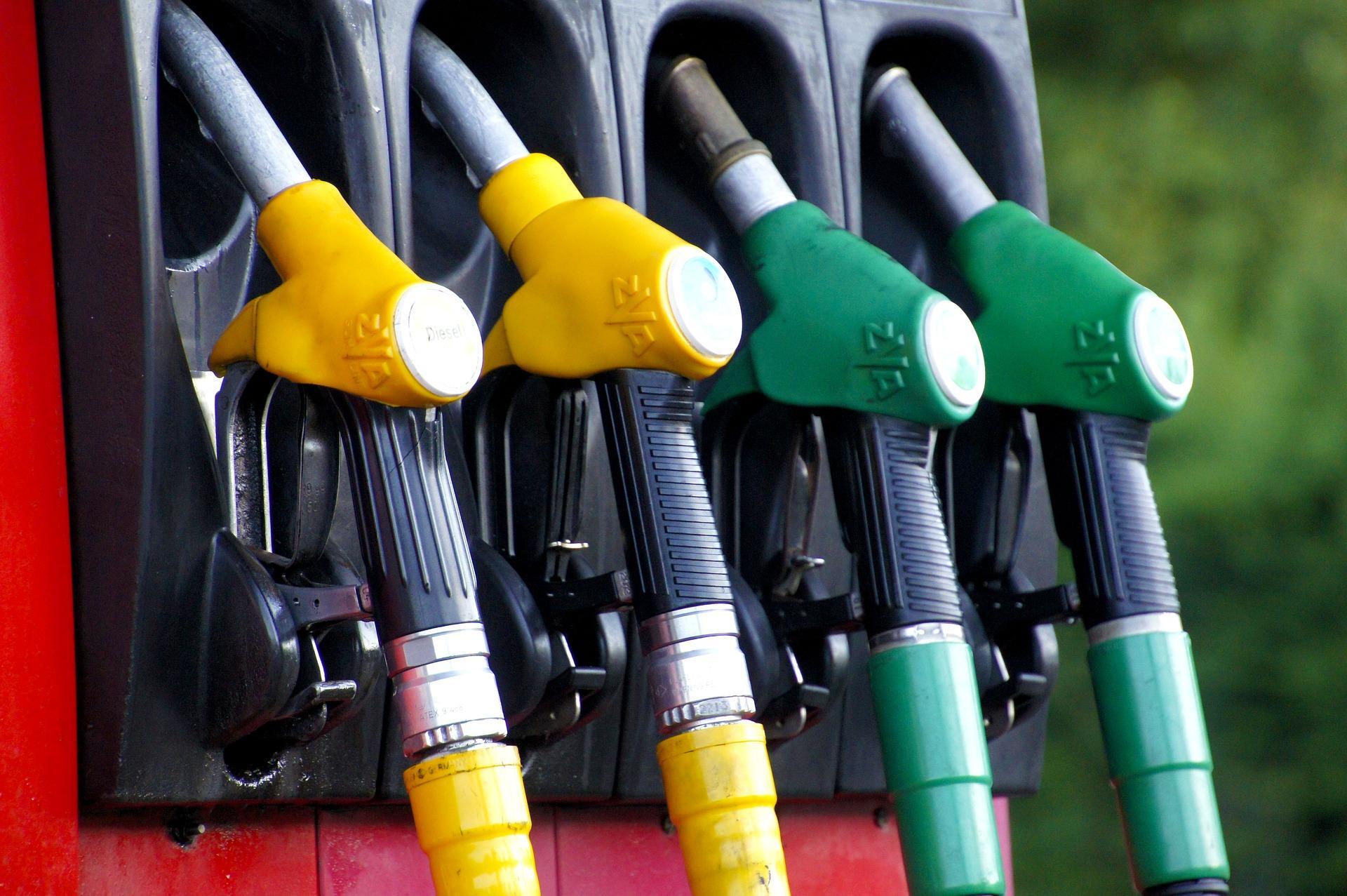 De Ford Mondeo van Bas van Burgel uit Avenhorn blijkt een onverwacht benzineslurpertje