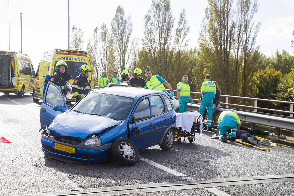 Twee gewonden en verkeerschaos bij botsingen op A9 [video's]