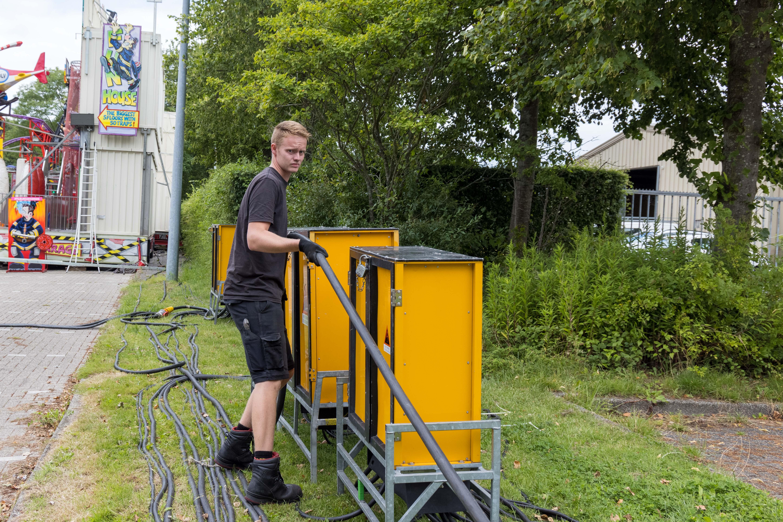 Hoornse kermis kan niet draaien zonder Homan Elektrotechniek: 'We komen als eerste en gaan als laatste weer weg'