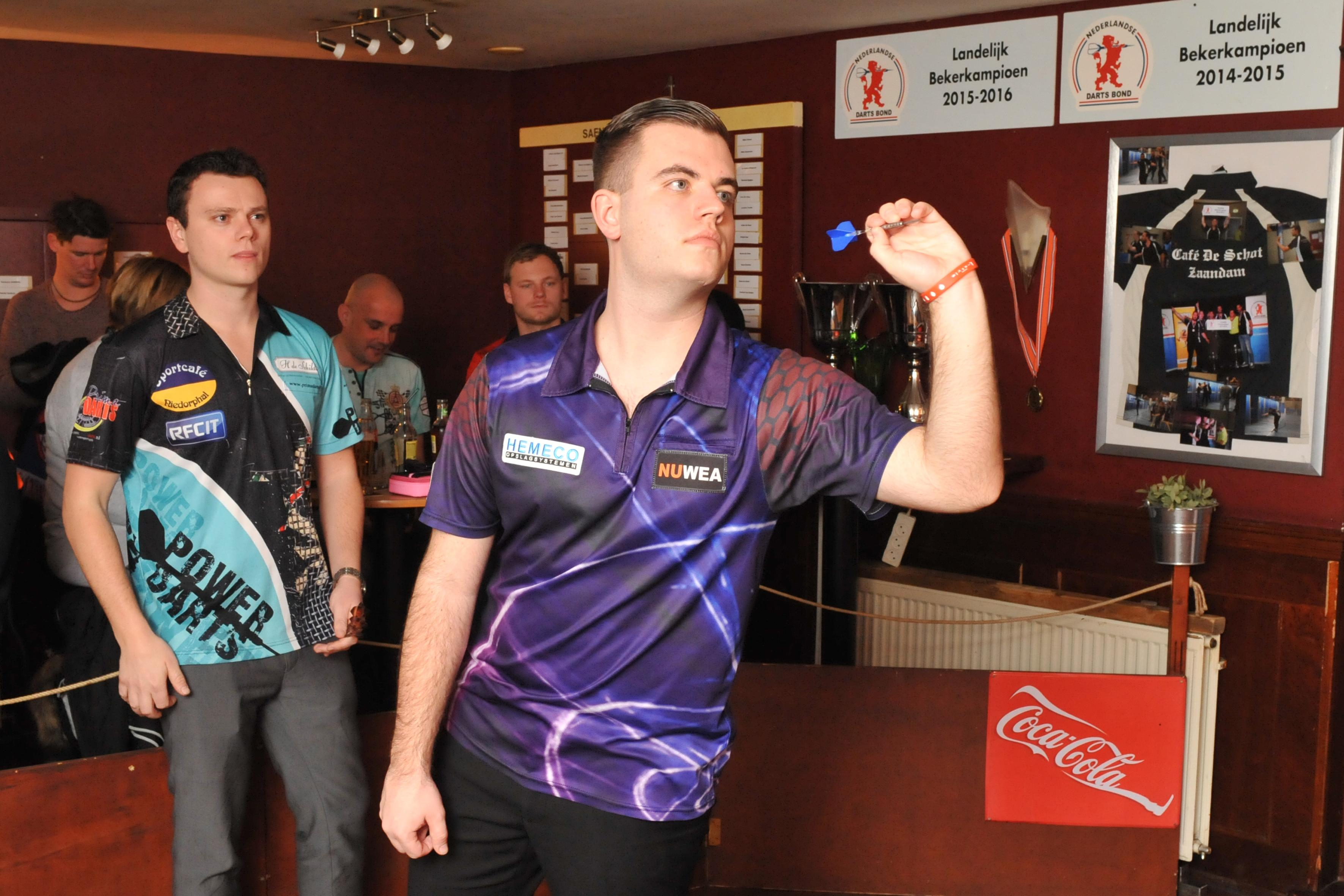 Niels Zonneveld plaatst zich voor WK darts in Alexandra Palace