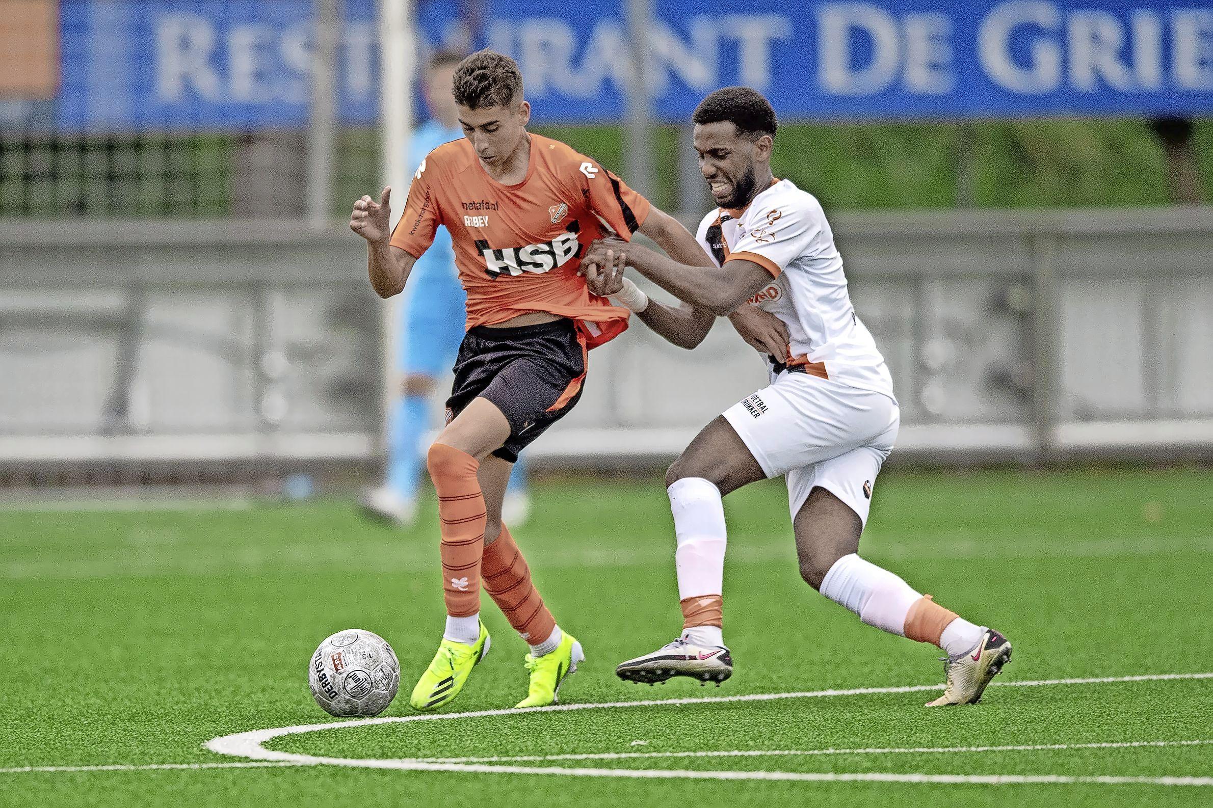 Katwijk-aanwinst Mukhtar Suleiman speelde nooit in de jeugdopleiding van een profclub maar dat is niet te merken