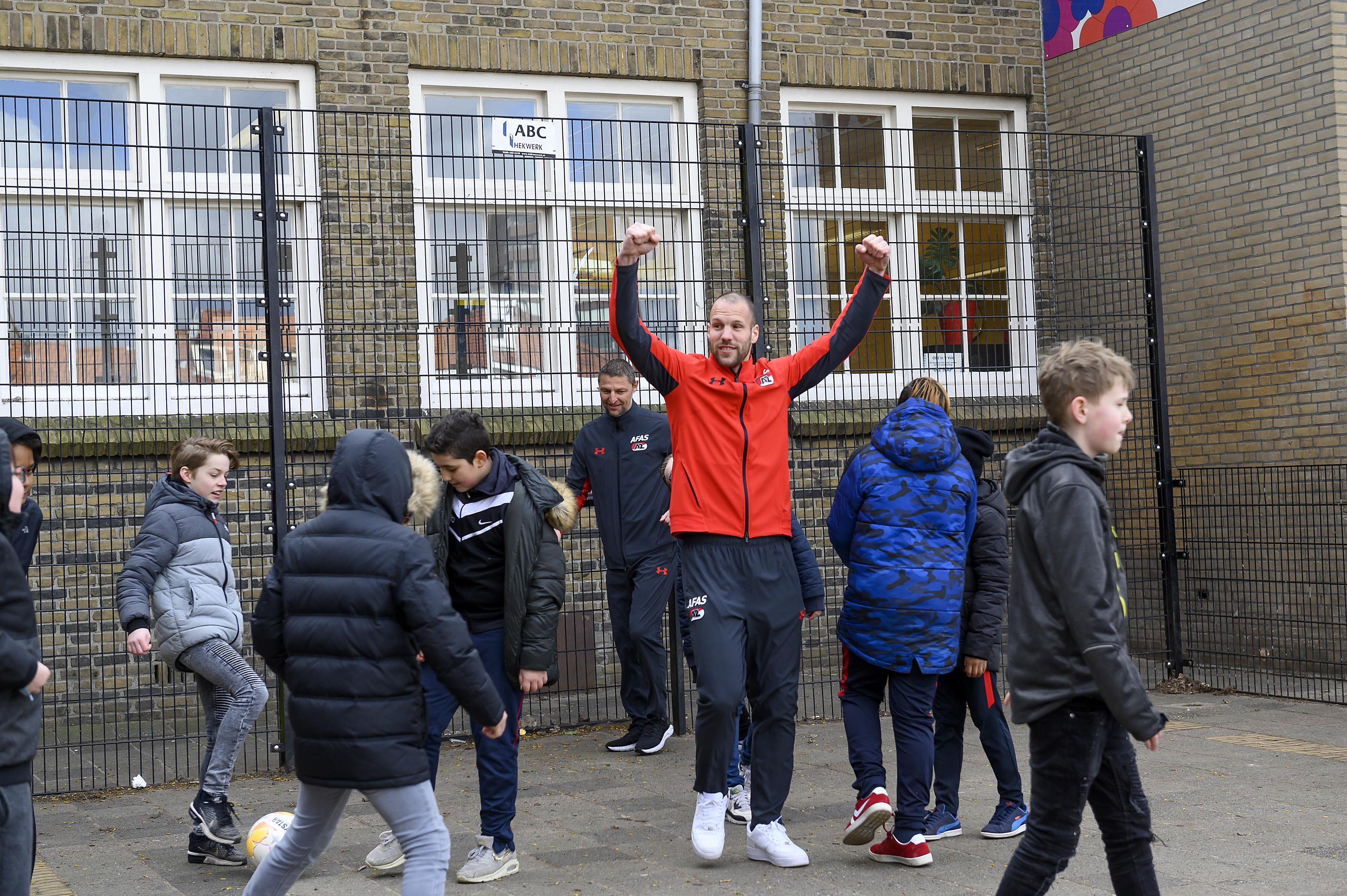 'Ron Beton' en AZ scoren met voedingslessen op basisschool In 't Veld Zaandam