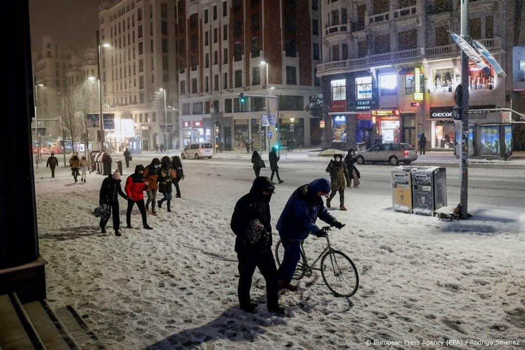 Luchthaven Madrid dicht vanwege hevige sneeuwval