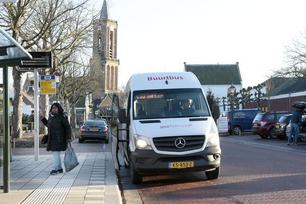 Nieuwe buurtbus naar hartje Loenen slaat aan