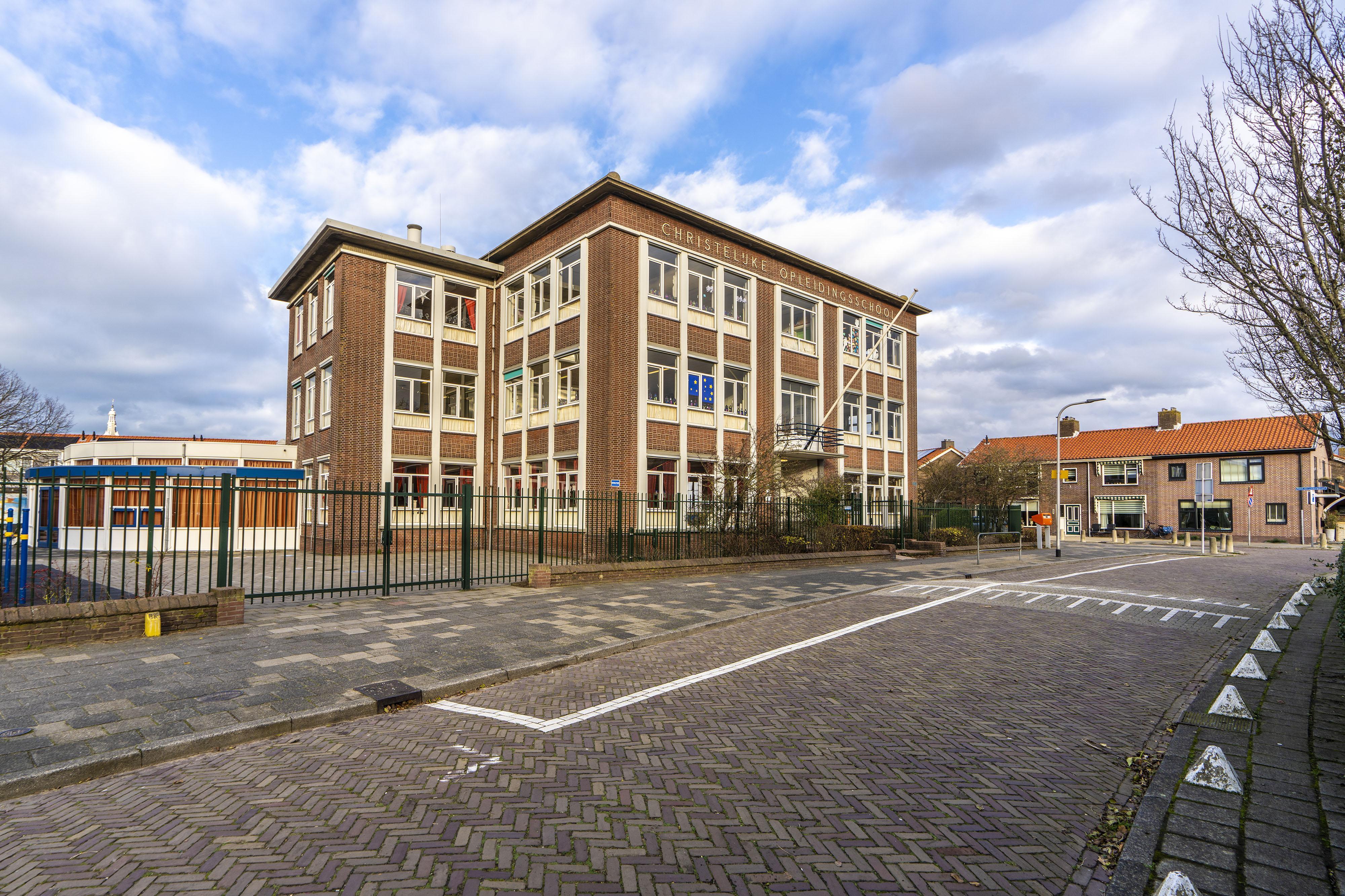 Katwijkers beginnen petitie: 'Red Christelijke Opleidingsschool van sloop'