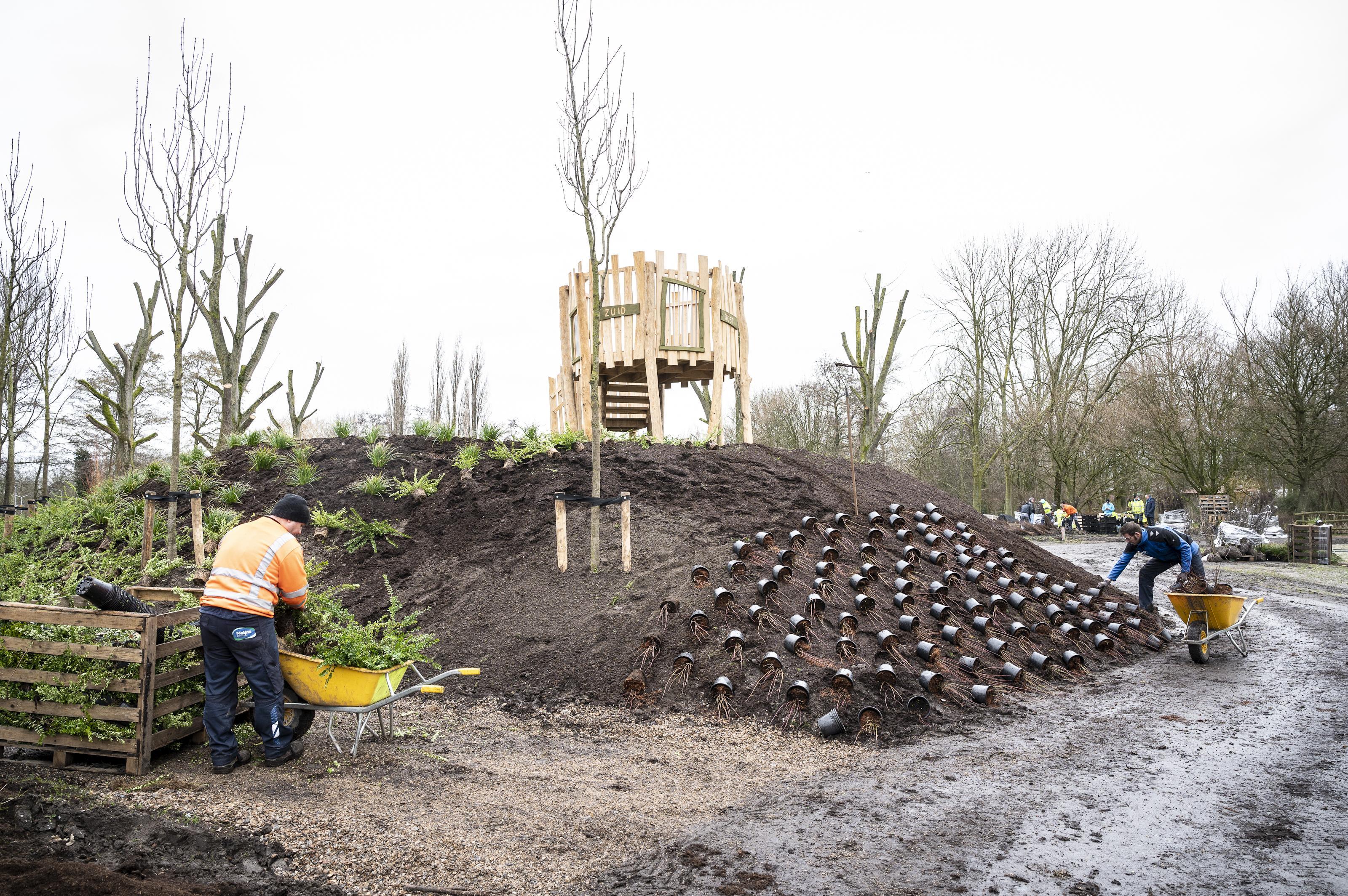 Nieuwe natuurspeelplaats langs Twiskeweg in Zaandam krijgt vorm, maar mag voorlopig nog niet gebruikt worden