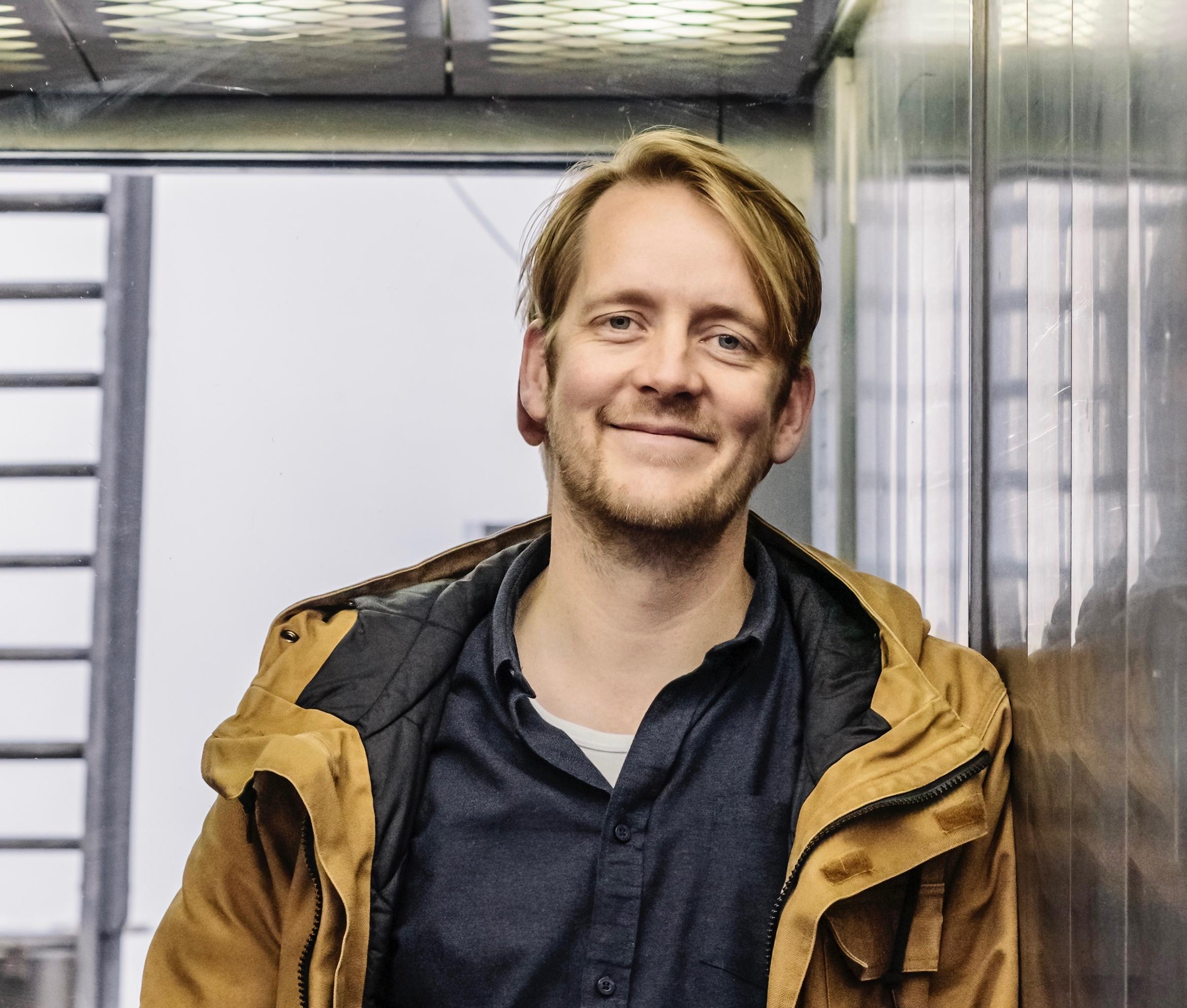 'In de zorg draait het te veel om ziekte in plaats van gezondheid', zegt onderzoeksjournalist Sander Heijne
