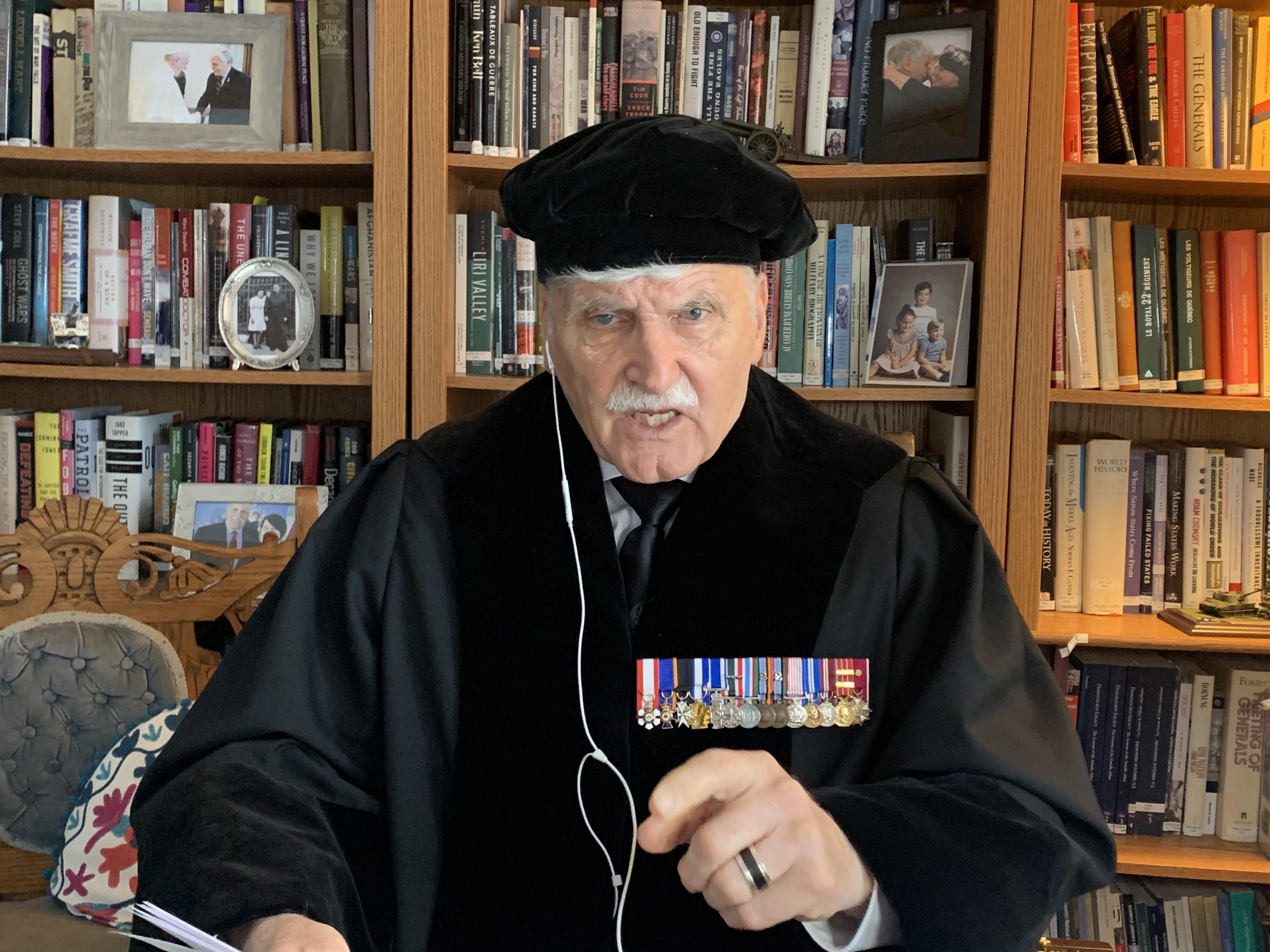 Roméo Dallaire in Cleveringaoratie: soldaten zijn slecht voorbereid op de inzet van kinderen als wapen