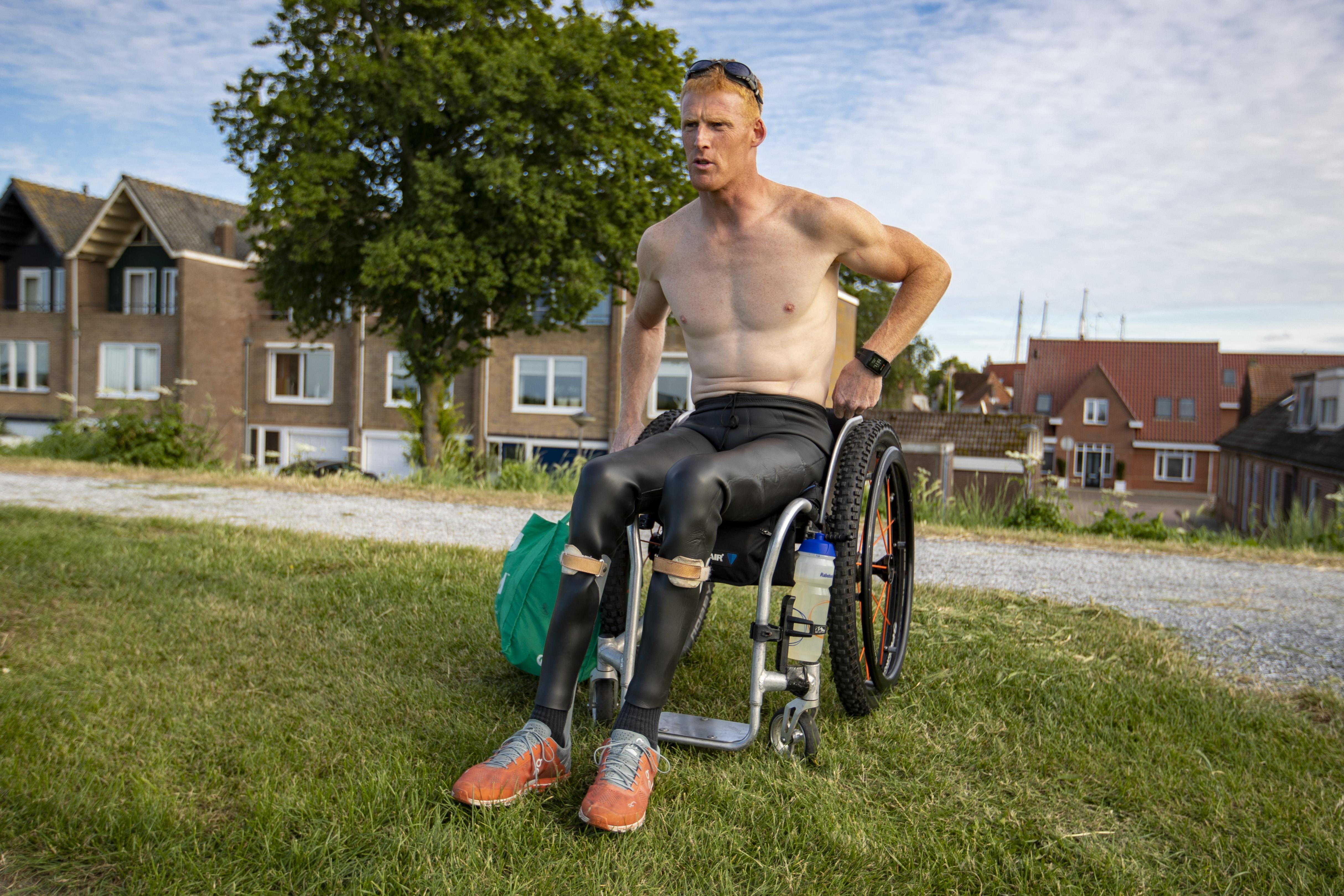 Paralympiër Geert Schipper zwemt vrijdag het IJsselmeer over [video]