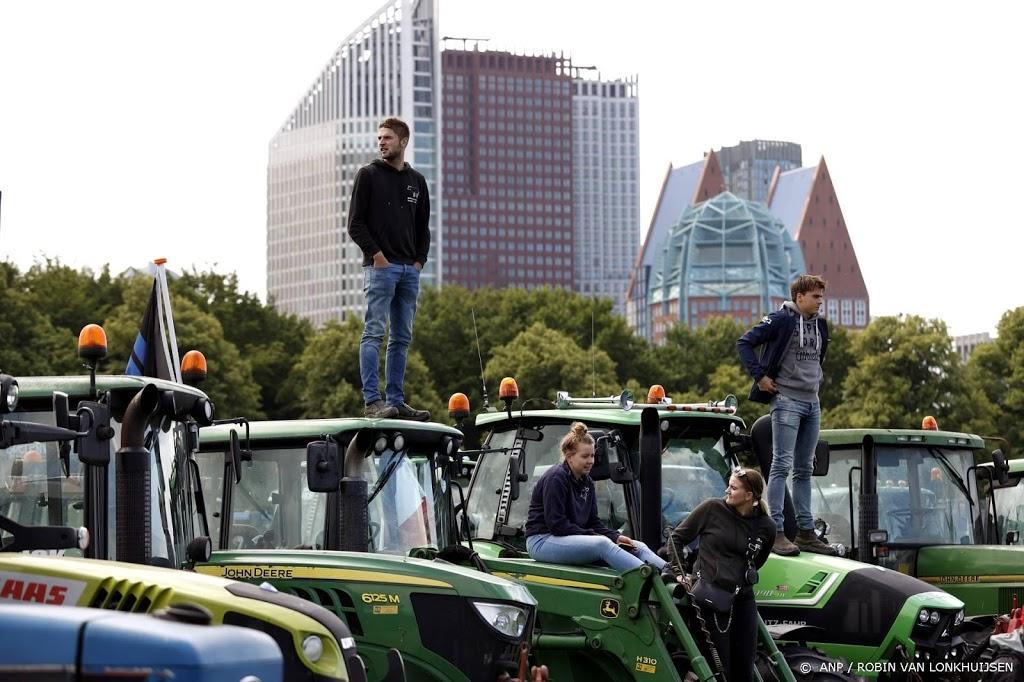 Honderden tractoren bij boerenacties Malieveld en provinciehuizen