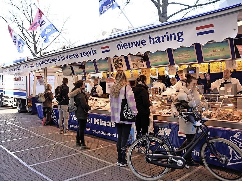 Marktkooplui willen niet weg van Nieuwe Rijn en Botermarkt