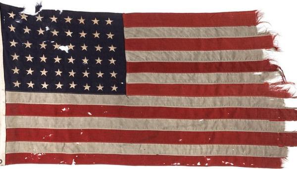 D-Day vlag naar Militair Museum