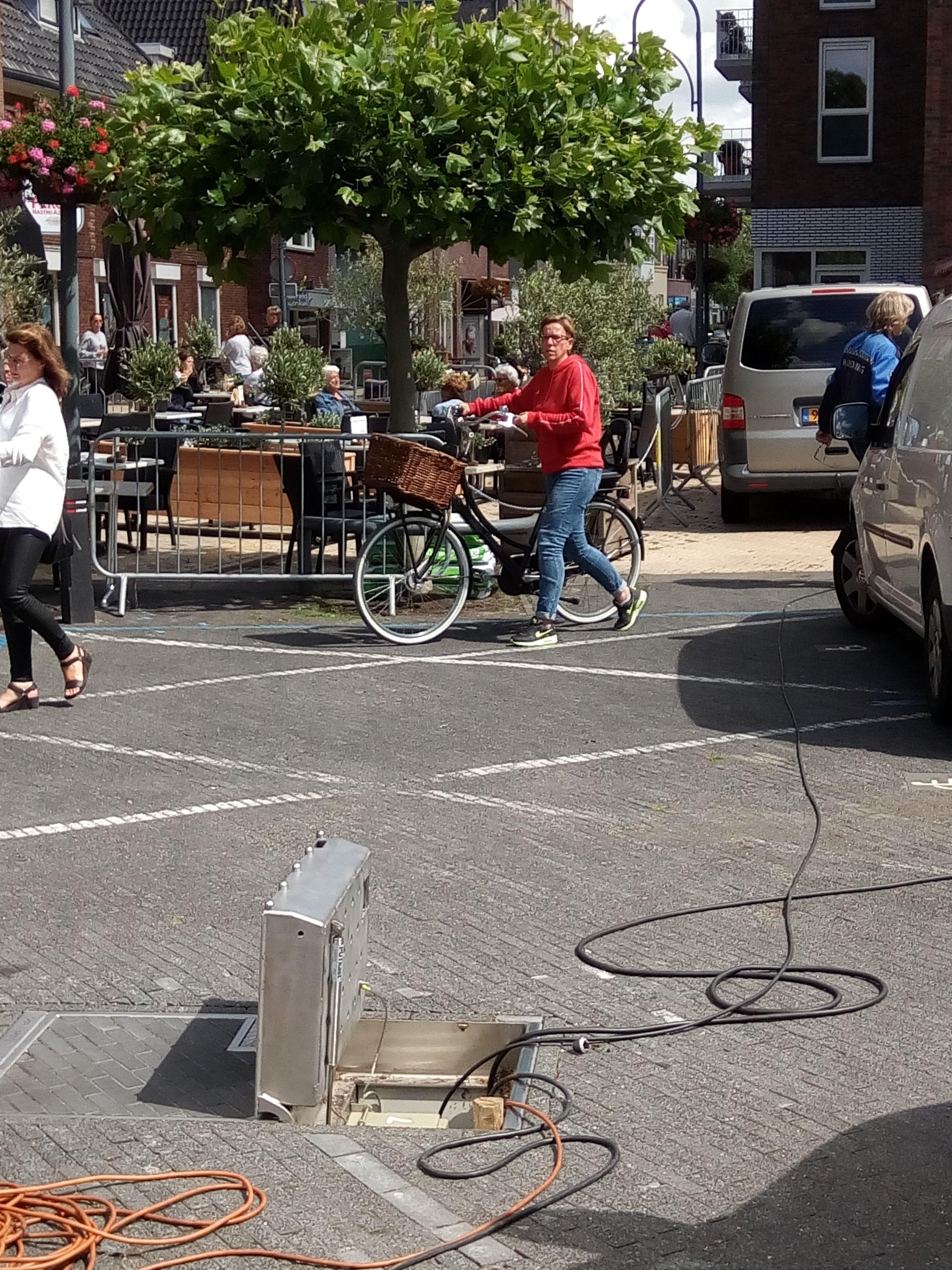 'Kabelluiken op markt Sassenheim moeten dicht'