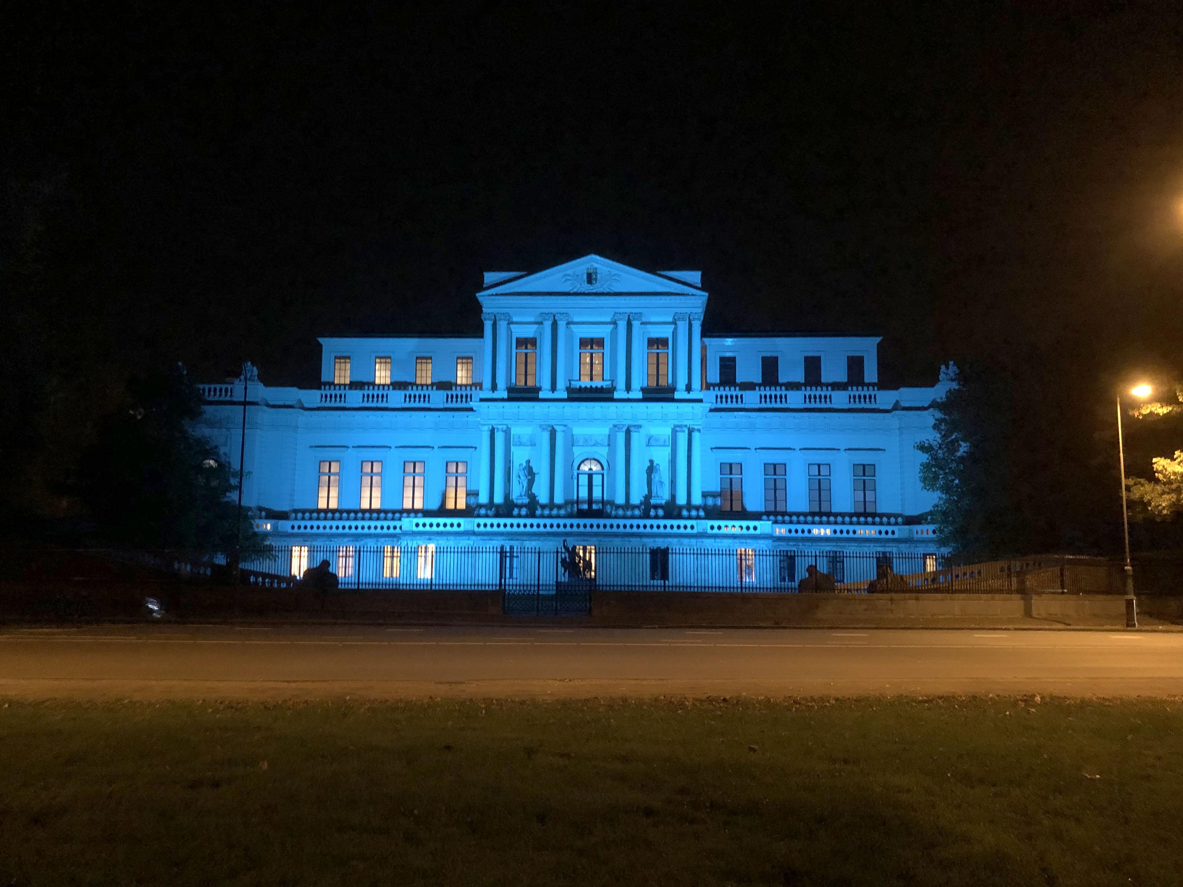 Blauwe gebouwen vragen aandacht voor 75-jarig jubileum Verenigde Naties