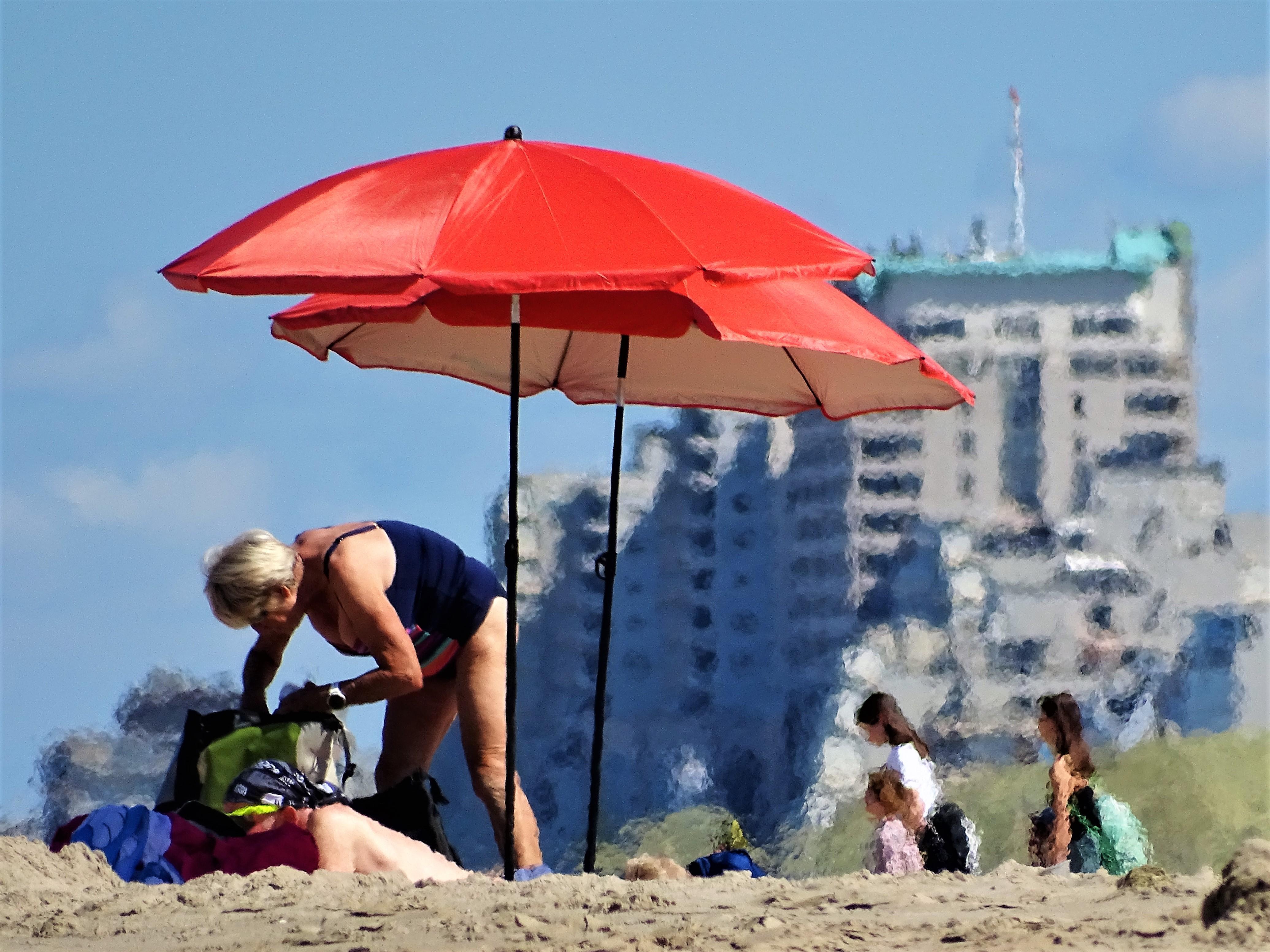 Katwijks strand zindert al voor het begin van de hittegolf