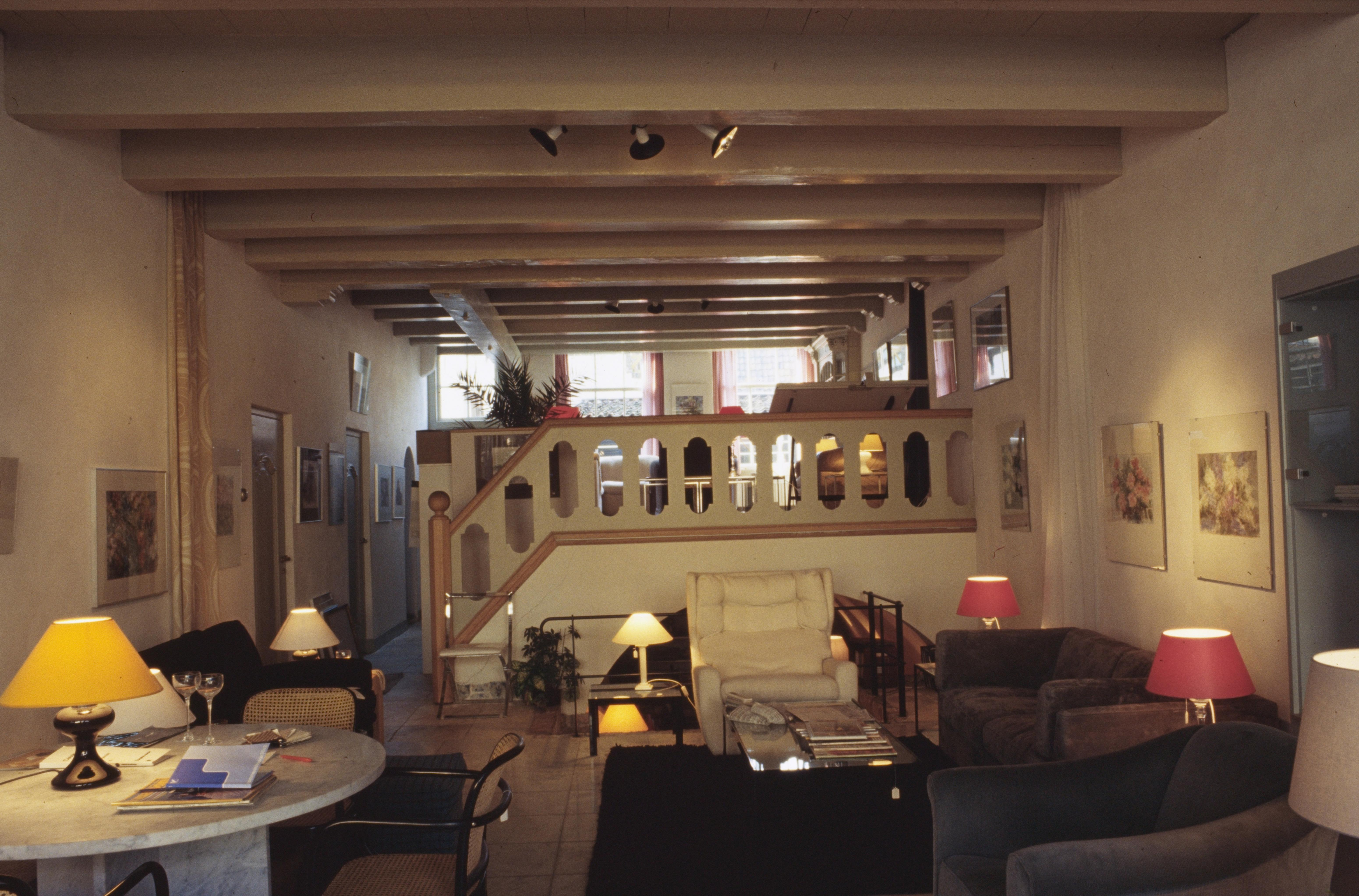 Alkmaars oudste winkel sluit, na 200 jaar. Meubelzaak Masée verkocht 'klassiek met een knipoog'. 'Door corona heb ik langzaam kunnen wennen aan een leven zonder de winkel'