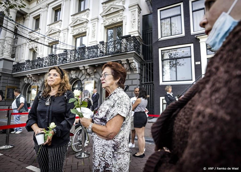 Steeds meer mensen bij Carré voor afscheid Peter R. de Vries