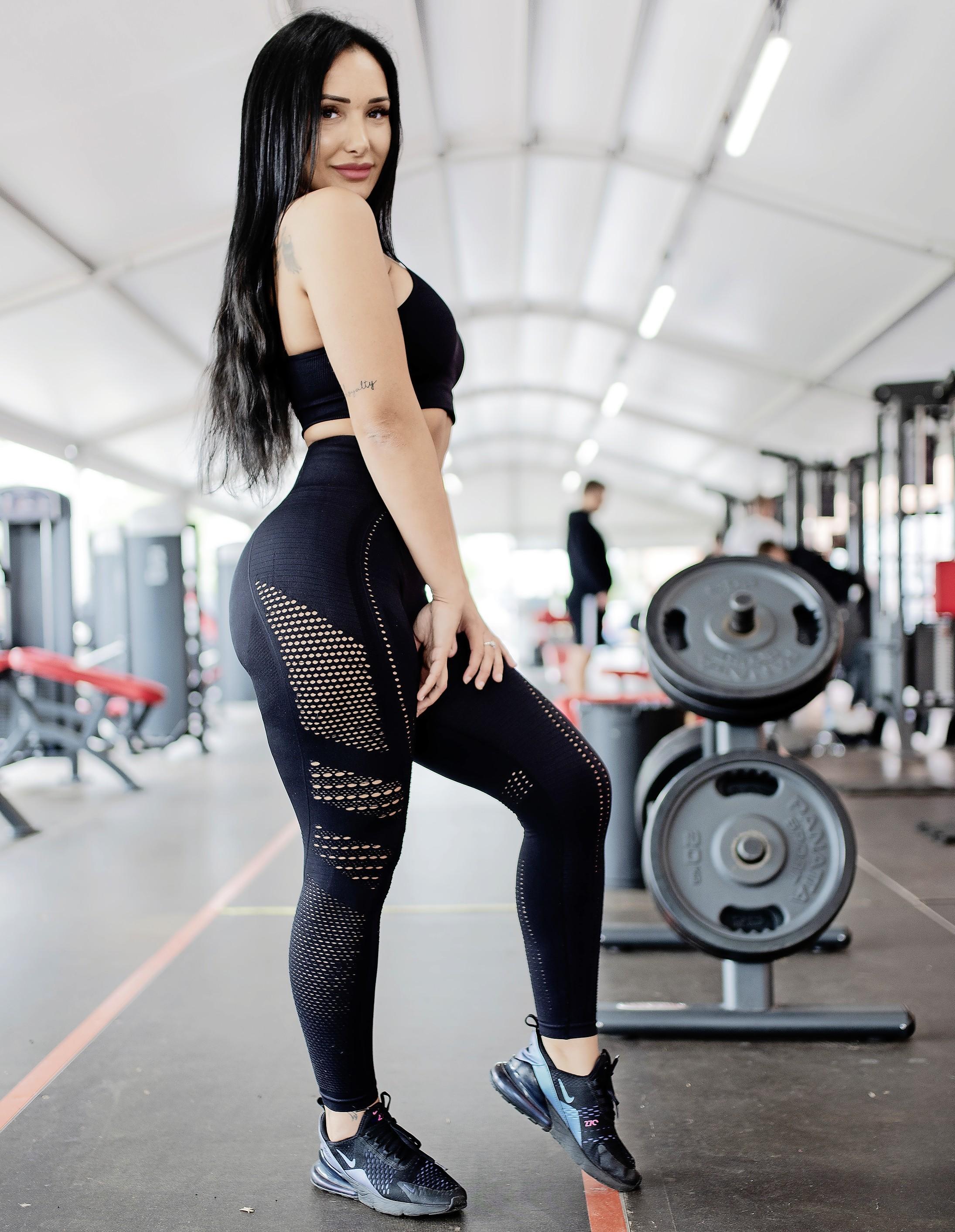 'Ik stootte 400 kilo met mijn benen'; de sportschool redde Yasmin Aktas, maar kostte de Zaanse bodybuildster ook veel