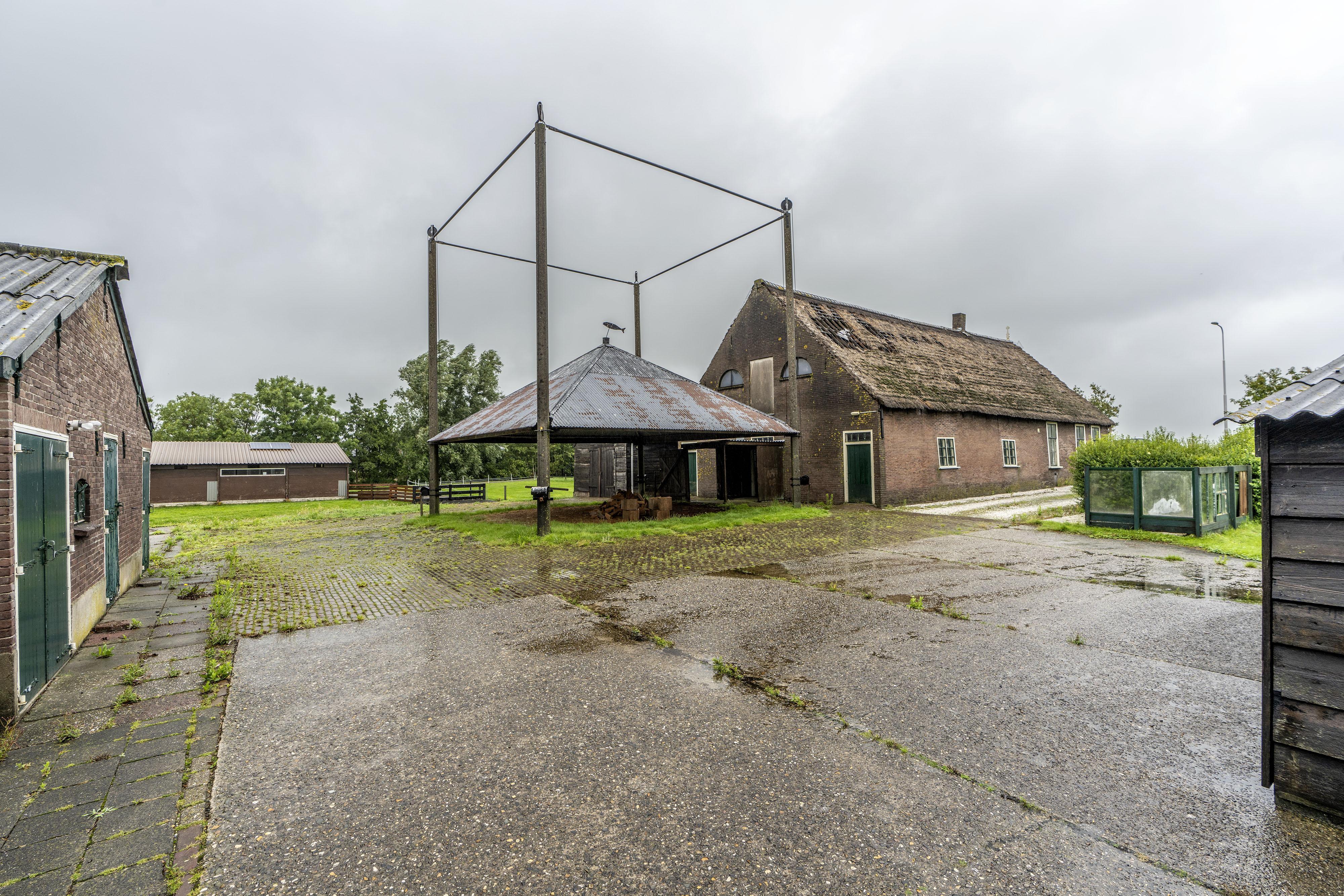 Boerderij Ofwegen in Woubrugge weer een stuk dichterbij het einde