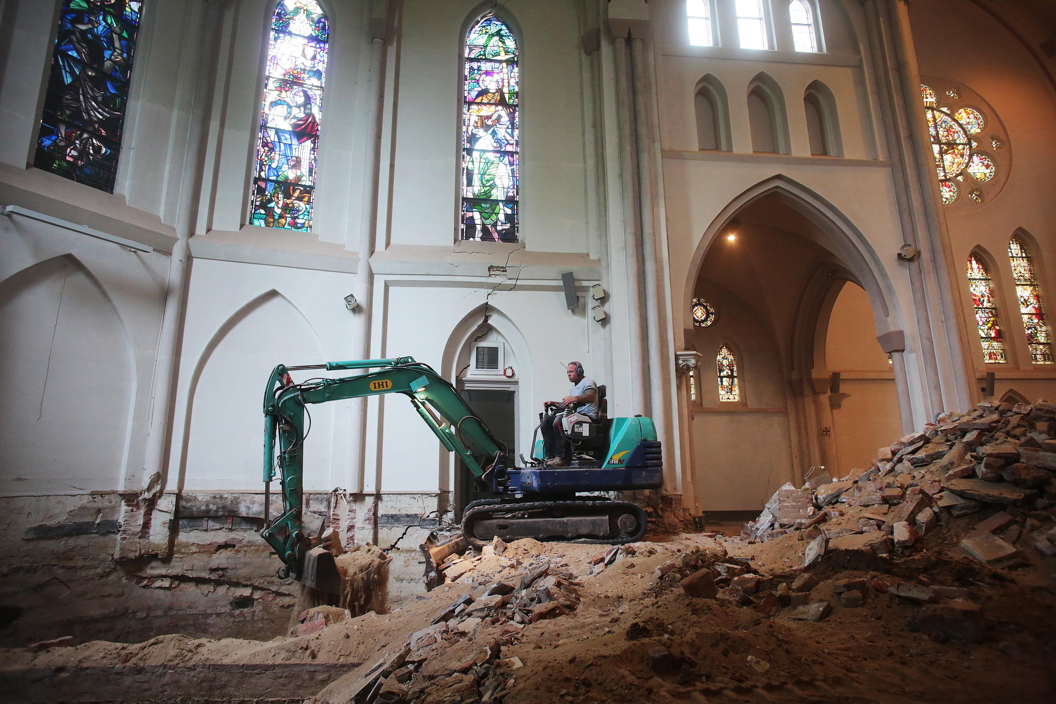 Herstel gestart van fundering Laurentiuskerk