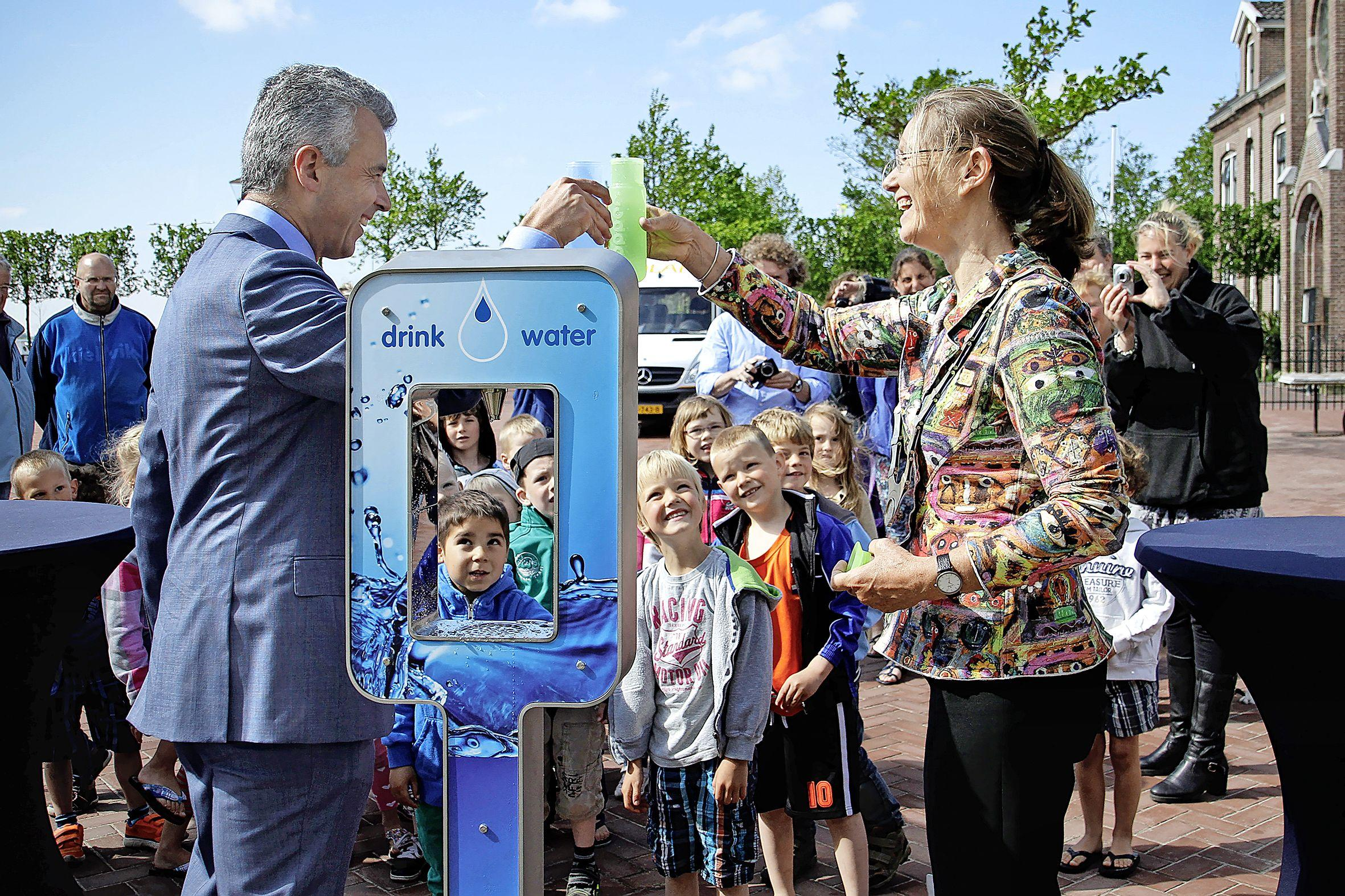 Deze zomer watertappunten in alle Texelse dorpen. Gemeente wil gebruik van wegwerpplastic terugdringen