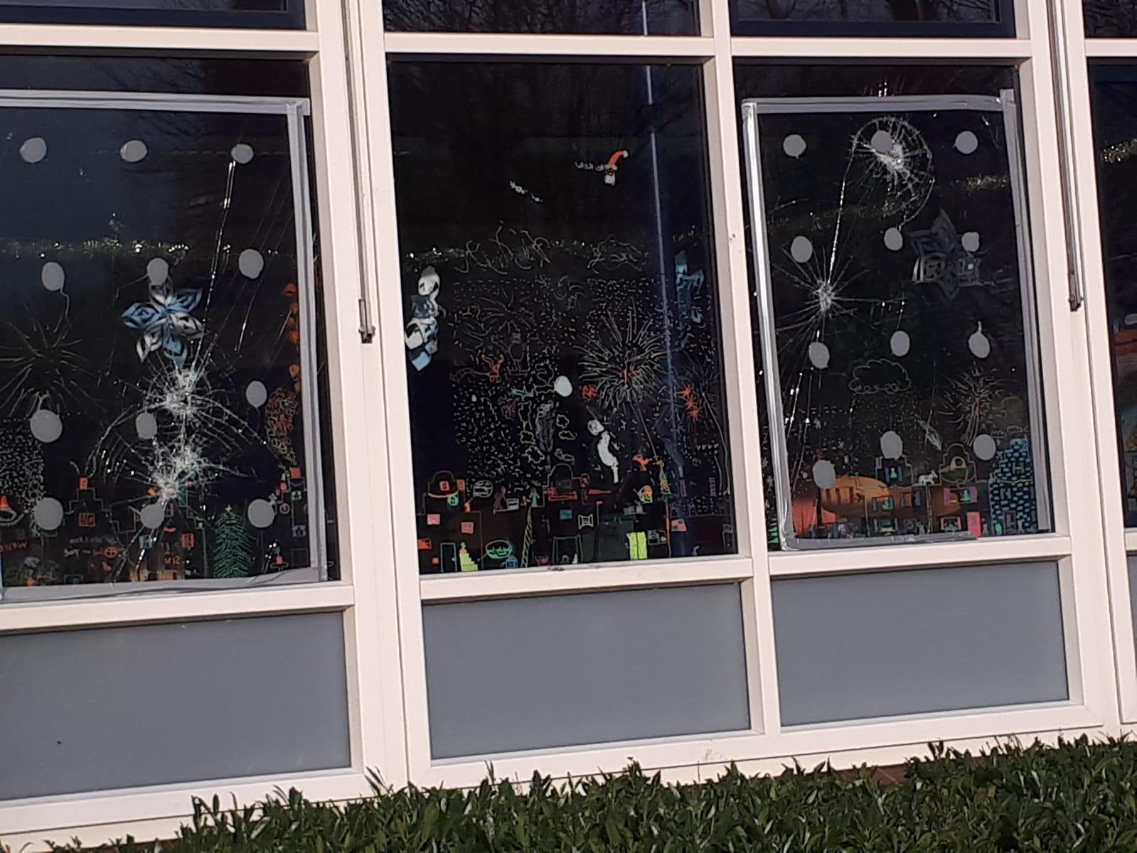 Ruiten basisschool Padland ingegooid, maar ook elders in Venhuizen: 'Wat een zinloze actie'