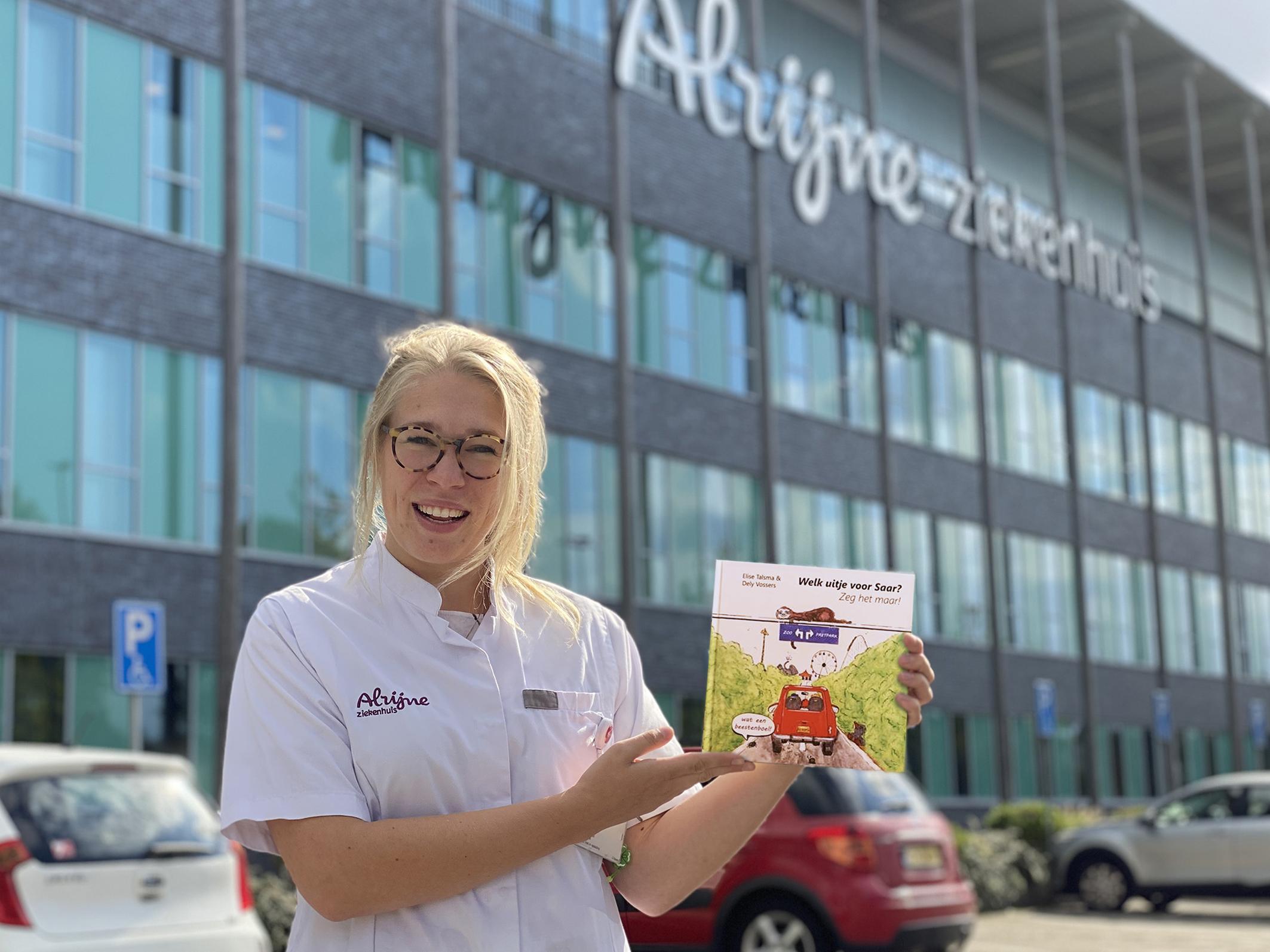 Hoe een zieke moeder een arts van Alrijne inspireerde tot het schrijven van een kinderboek: 'Mevrouw de Dierentuin werd mevrouw de Achtbaan'