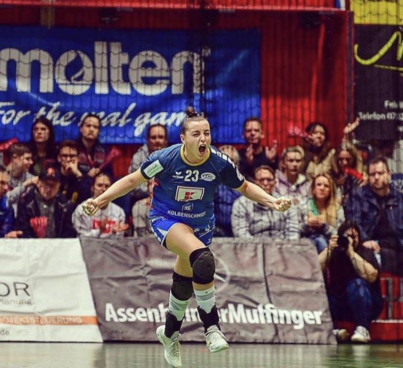 Oostzaanse handbalster Jill Kooij vindt draai in Duitsland: 'Niet klagen en alles geven, zo ben ik er gekomen'