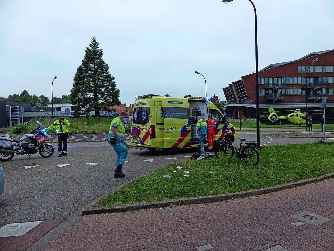 Fietser ernstig gewond bij botsing met auto in Krommenie, politie start onderzoek met drone