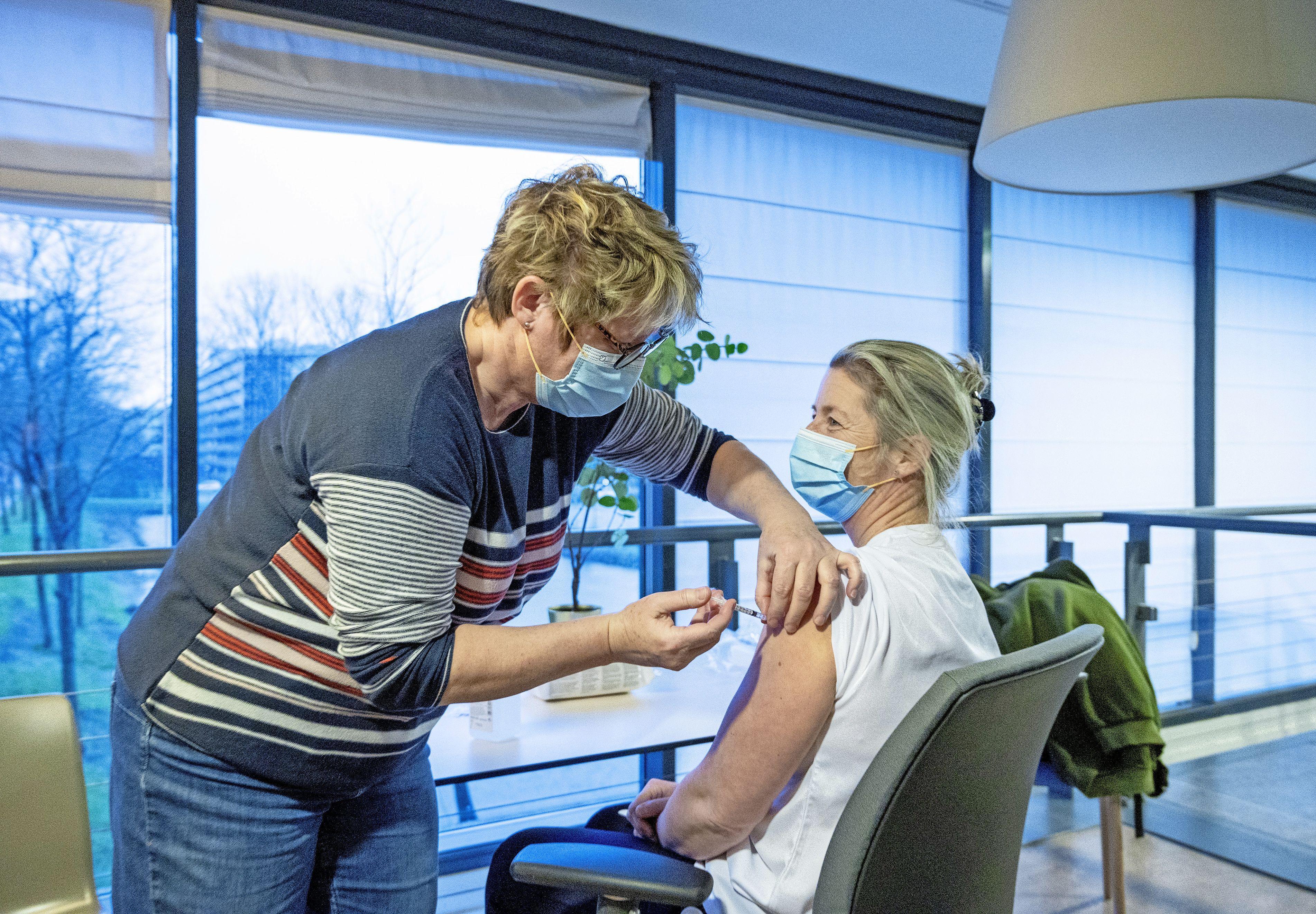 7000 prikken per weekend: Spaarne Gasthuis helpt de GGD met vaccineren