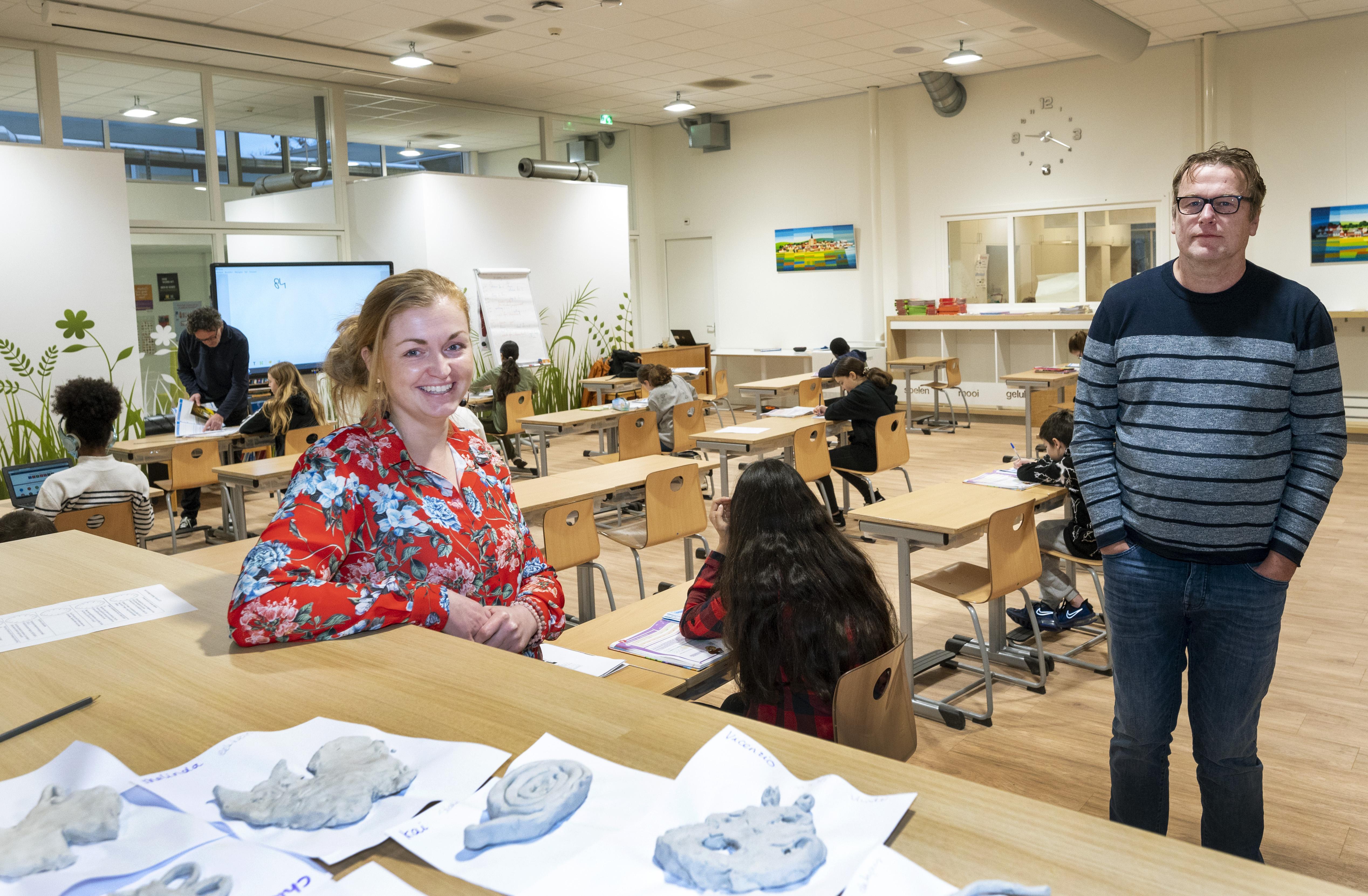 Mgr. Huibersschool in Haarlem gebruikt gymzaal als leslokaal en blijft onderwijs aanbieden voor alle klassen