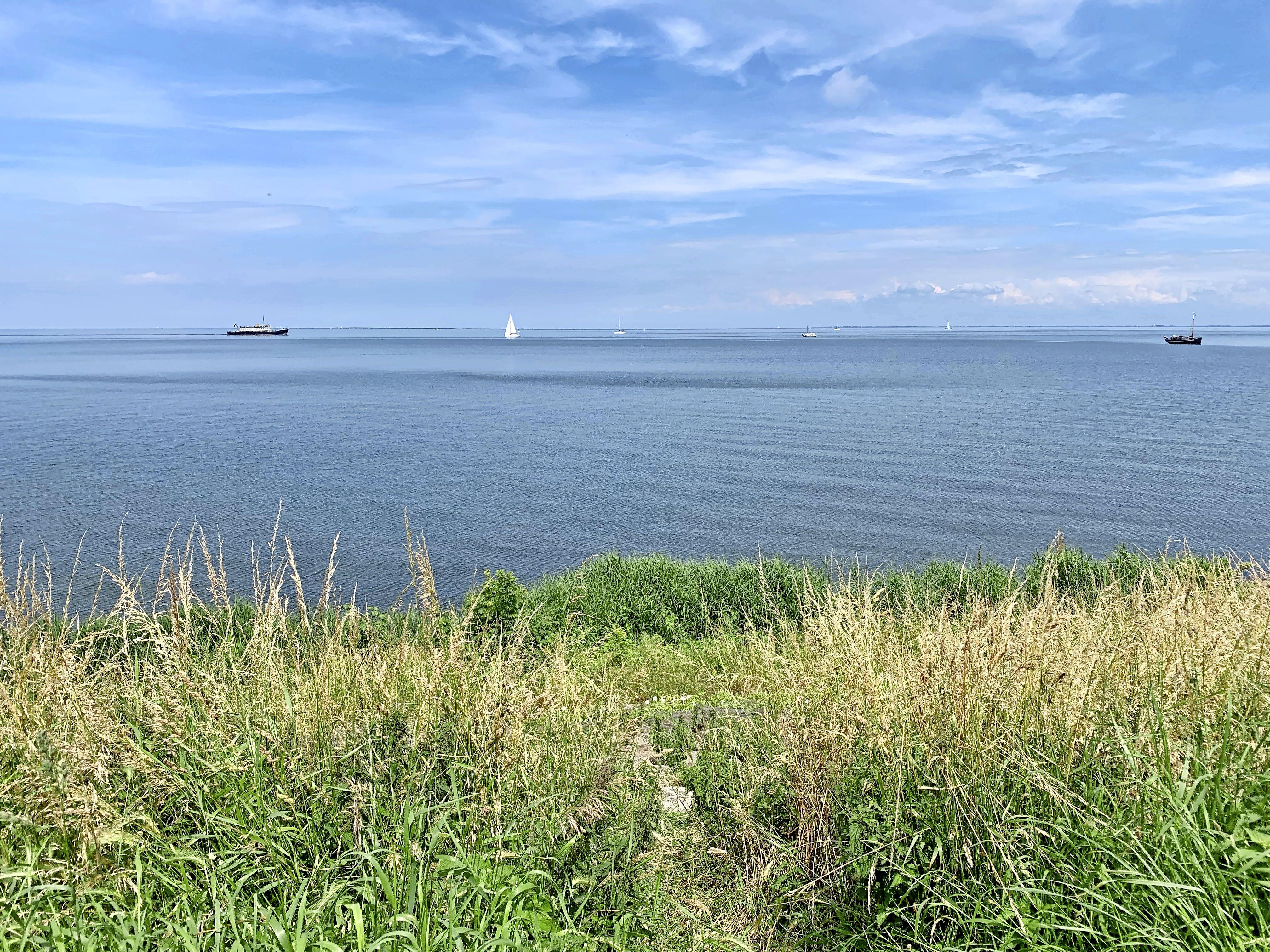 Het nieuwste wapen van PWN in strijd tegen dreigend zoetwatertekort: een compleet nieuwe dijk voor de kust van Andijk
