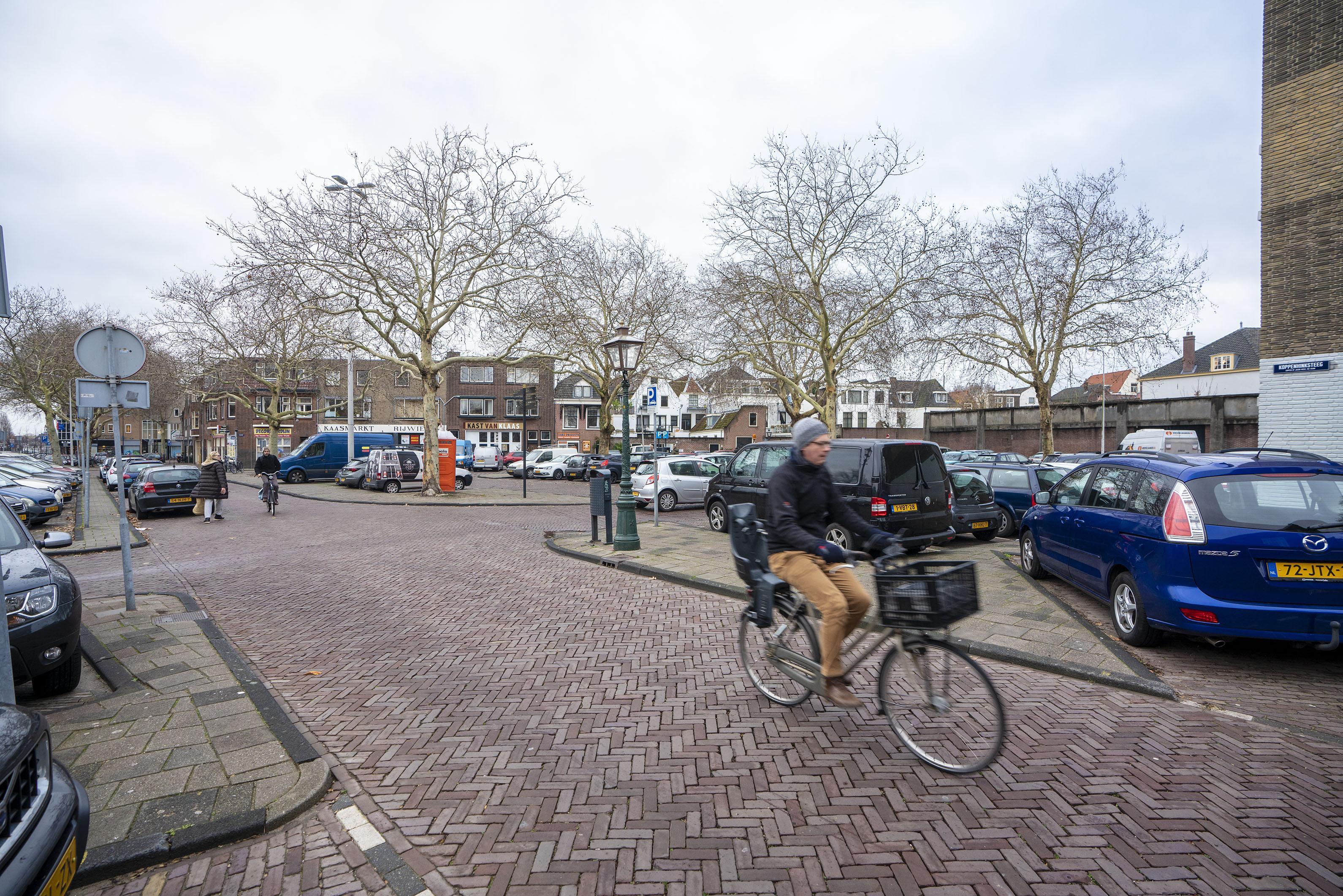 Handtekeningen tegen bouwplannen voor Leidse Kaasmarkt